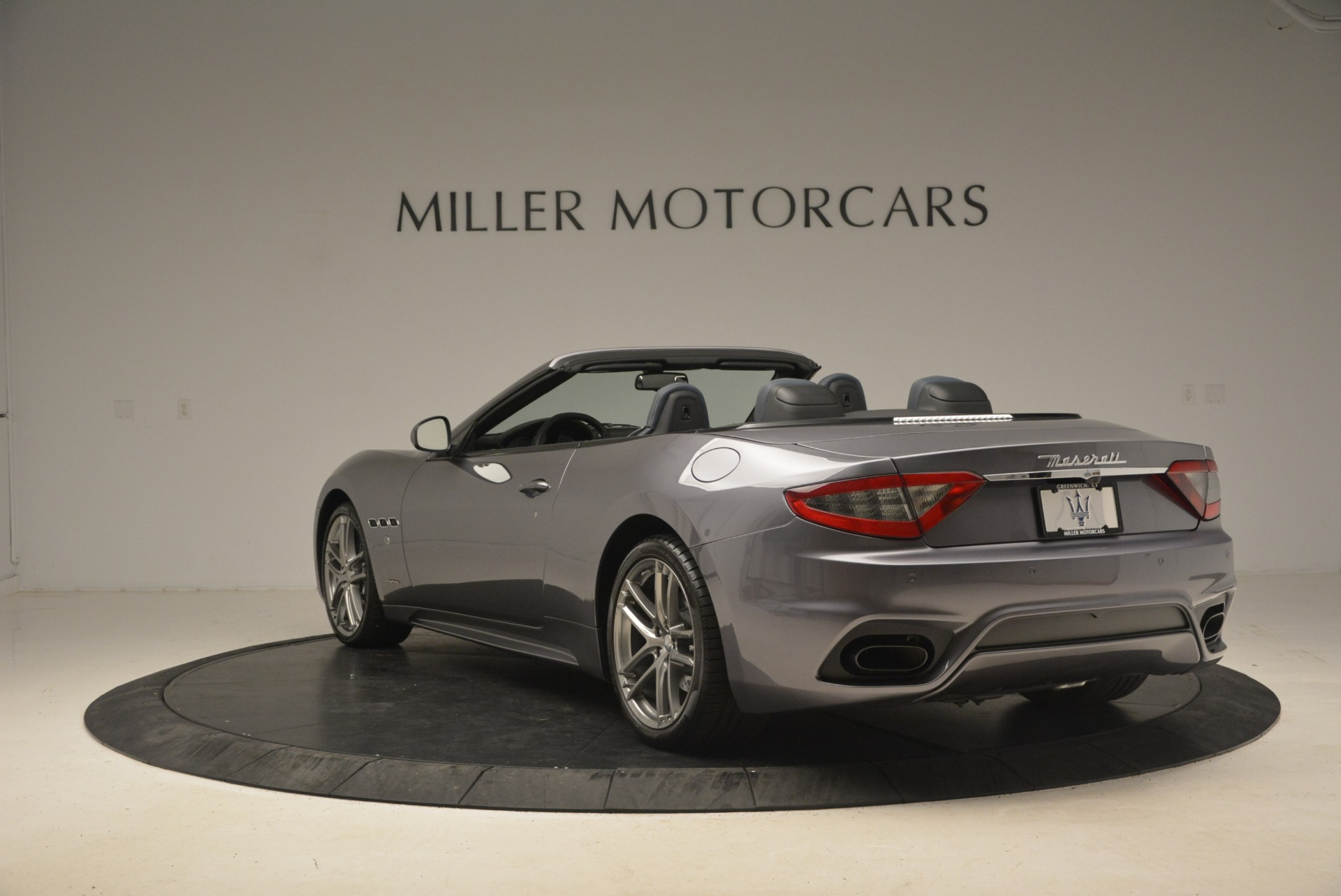 New 2018 Maserati GranTurismo Sport Convertible For Sale In Greenwich, CT. Alfa Romeo of Greenwich, W647 1802_p10