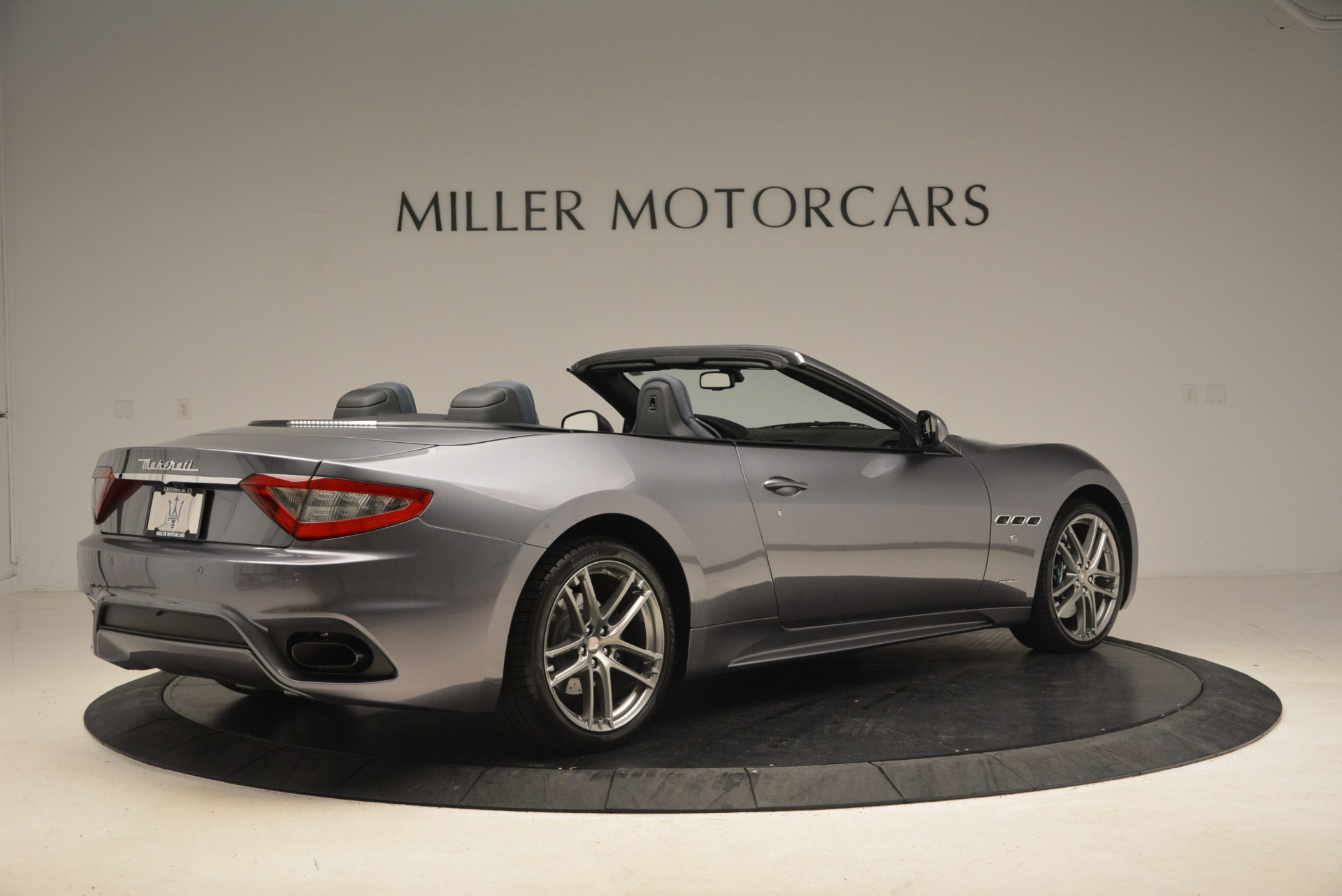 New 2018 Maserati GranTurismo Sport Convertible For Sale In Greenwich, CT. Alfa Romeo of Greenwich, W647 1802_p16