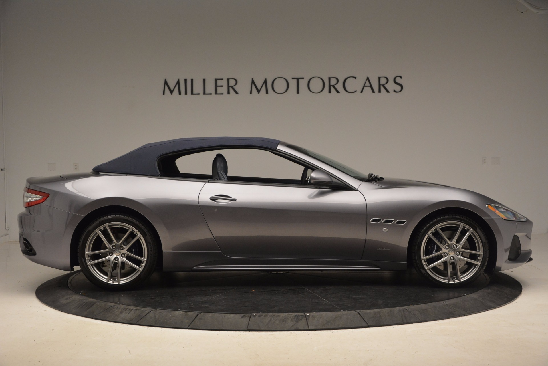 New 2018 Maserati GranTurismo Sport Convertible For Sale In Greenwich, CT. Alfa Romeo of Greenwich, W647 1802_p17