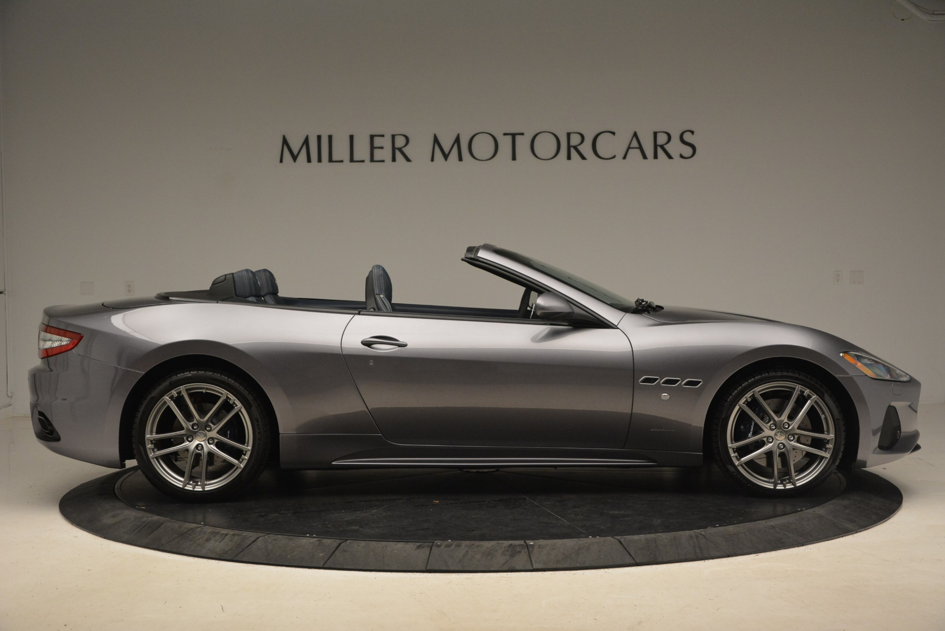 New 2018 Maserati GranTurismo Sport Convertible For Sale In Greenwich, CT. Alfa Romeo of Greenwich, W647 1802_p18