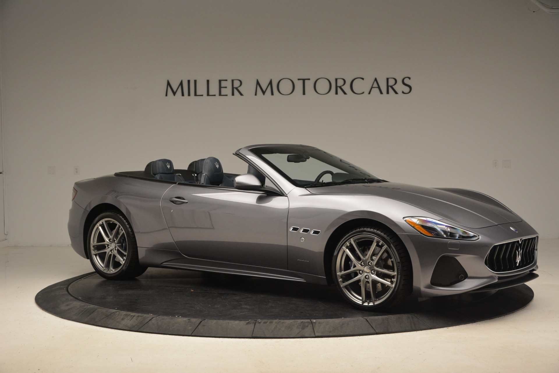 New 2018 Maserati GranTurismo Sport Convertible For Sale In Greenwich, CT. Alfa Romeo of Greenwich, W647 1802_p20