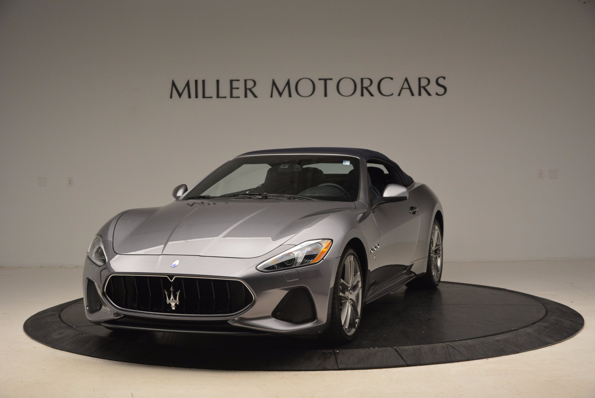 New 2018 Maserati GranTurismo Sport Convertible For Sale In Greenwich, CT. Alfa Romeo of Greenwich, W647 1802_p2