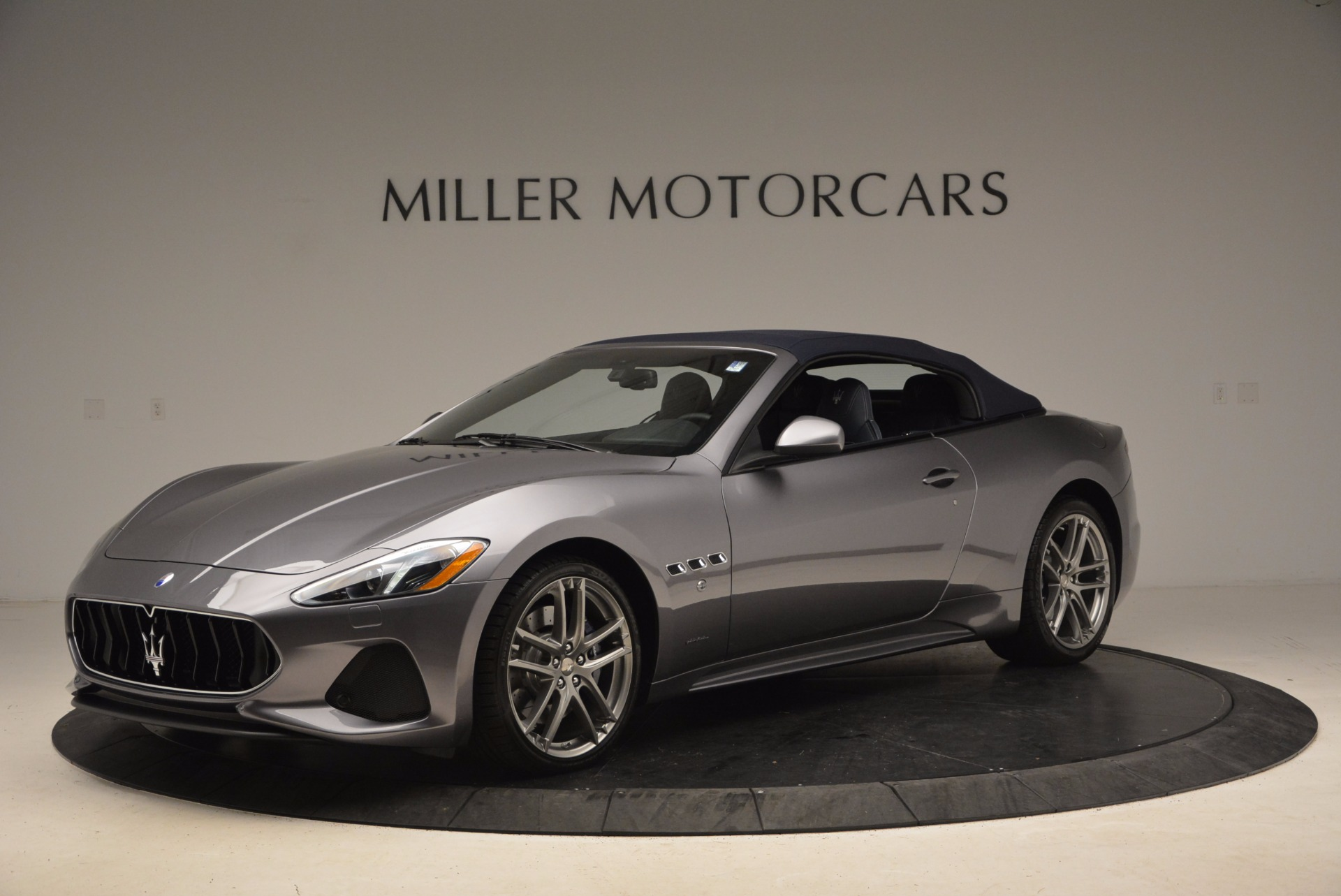 New 2018 Maserati GranTurismo Sport Convertible For Sale In Greenwich, CT. Alfa Romeo of Greenwich, W647 1802_p4