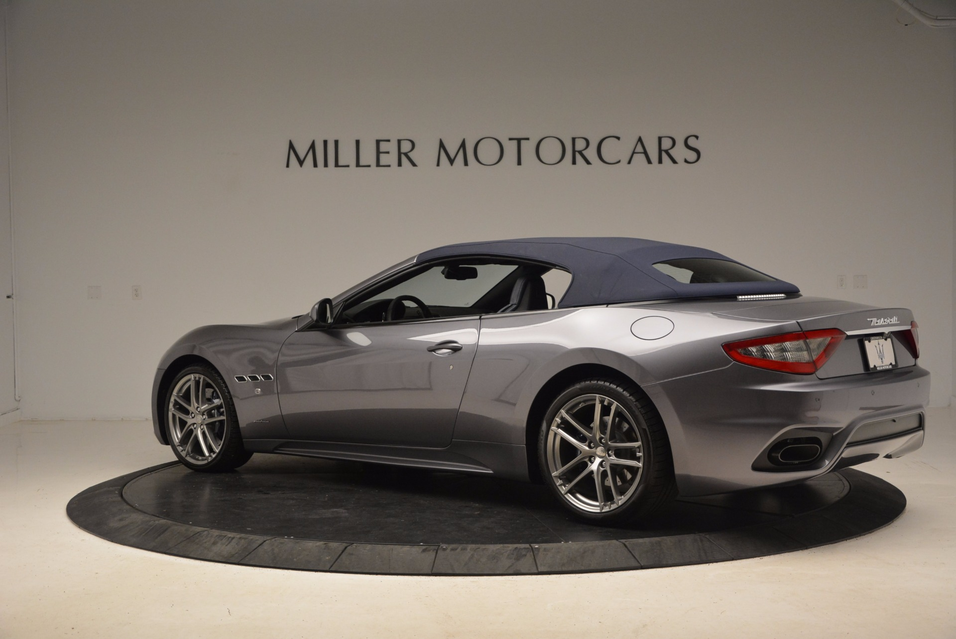 New 2018 Maserati GranTurismo Sport Convertible For Sale In Greenwich, CT. Alfa Romeo of Greenwich, W647 1802_p7