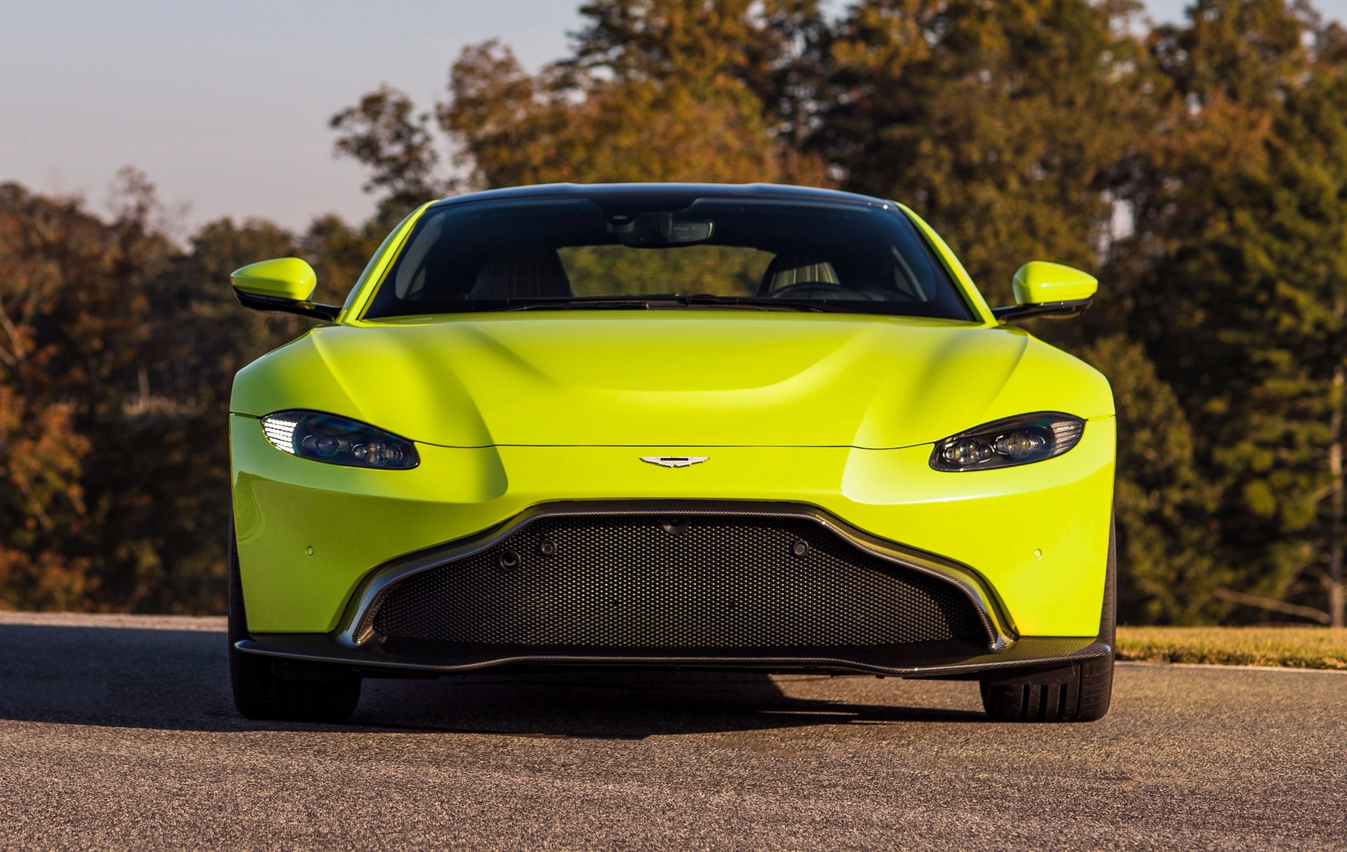 New 2019 Aston Martin Vantage  For Sale In Greenwich, CT. Alfa Romeo of Greenwich, NOW TAKING ORDERS