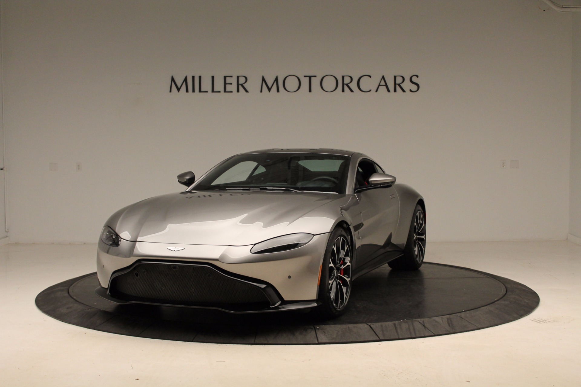 New 2019 Aston Martin Vantage  For Sale In Greenwich, CT. Alfa Romeo of Greenwich, NOW TAKING ORDERS 1803_p10