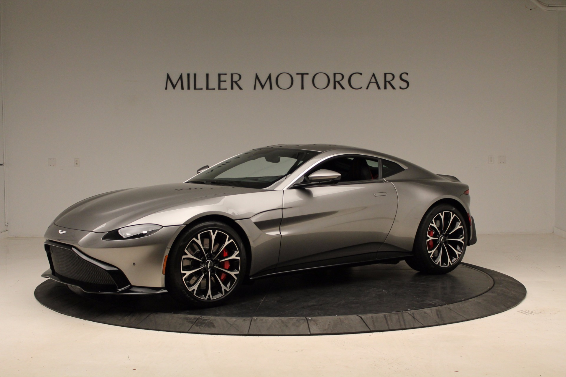 New 2019 Aston Martin Vantage  For Sale In Greenwich, CT. Alfa Romeo of Greenwich, NOW TAKING ORDERS 1803_p11