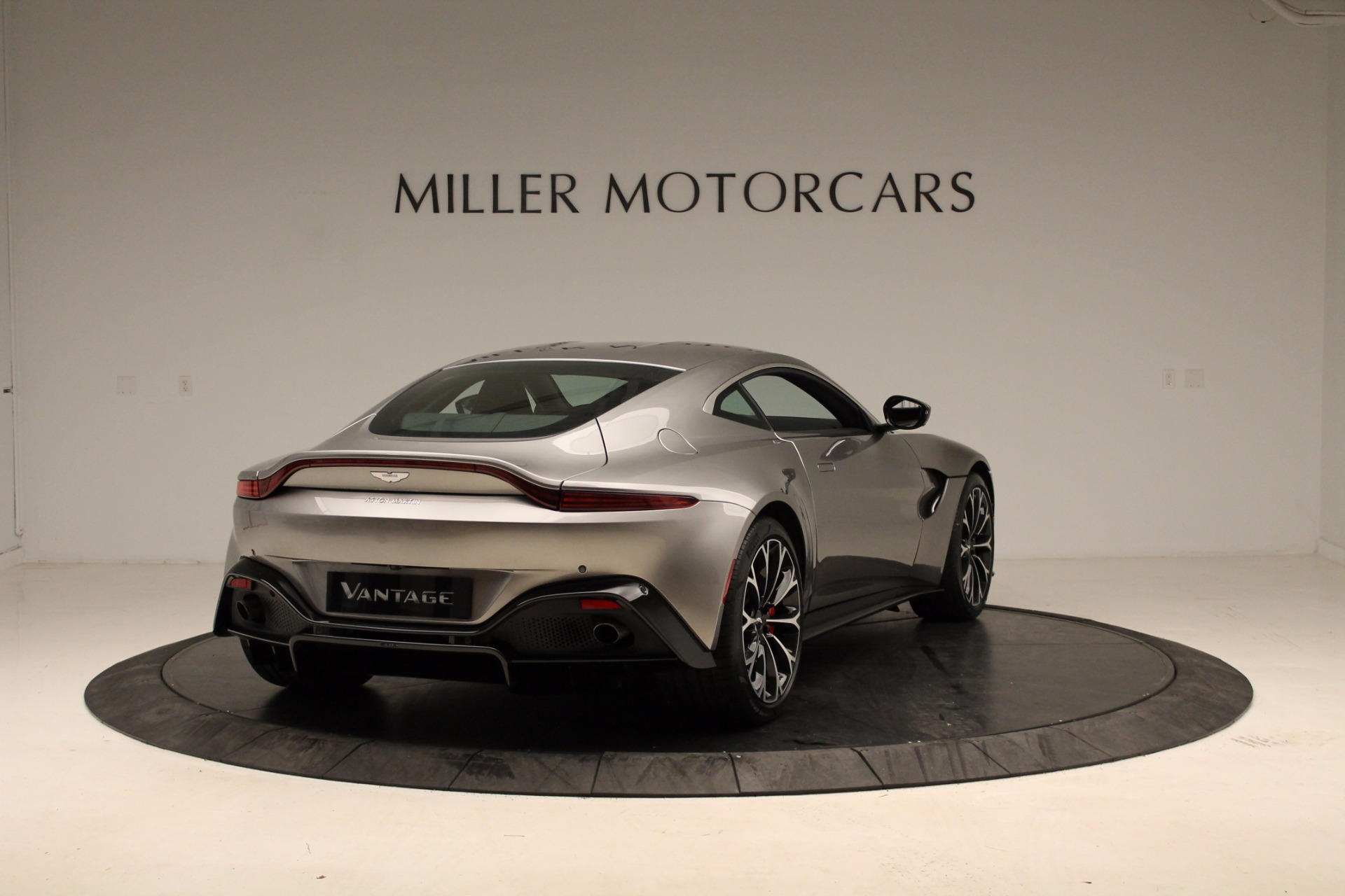New 2019 Aston Martin Vantage  For Sale In Greenwich, CT. Alfa Romeo of Greenwich, NOW TAKING ORDERS 1803_p16