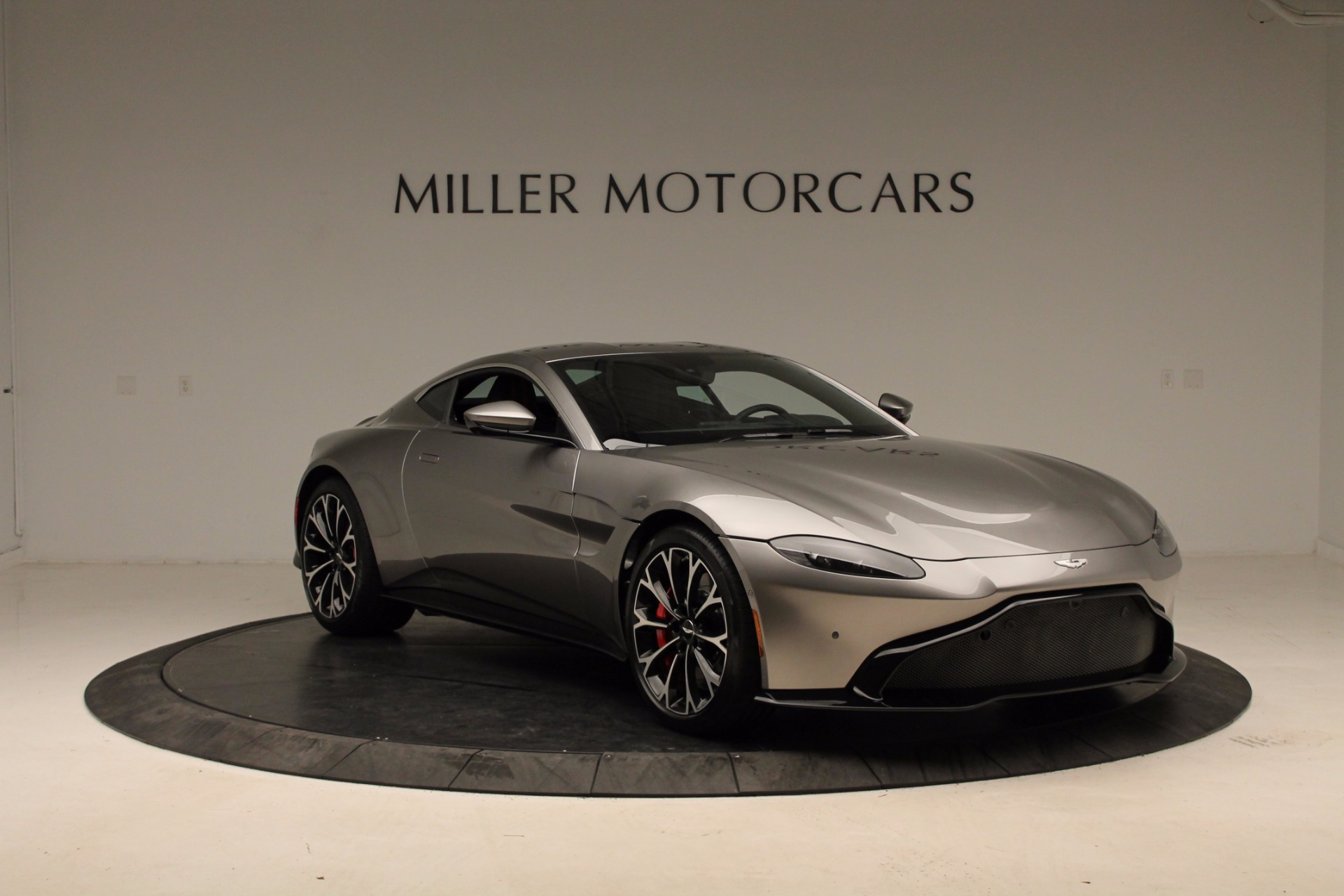 New 2019 Aston Martin Vantage  For Sale In Greenwich, CT. Alfa Romeo of Greenwich, NOW TAKING ORDERS 1803_p20