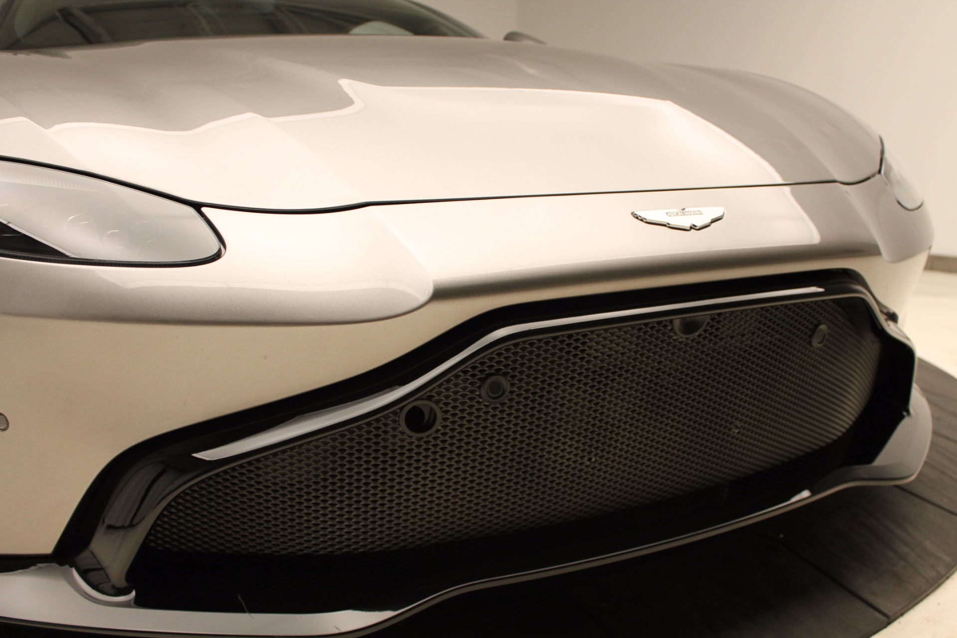 New 2019 Aston Martin Vantage  For Sale In Greenwich, CT. Alfa Romeo of Greenwich, NOW TAKING ORDERS 1803_p32