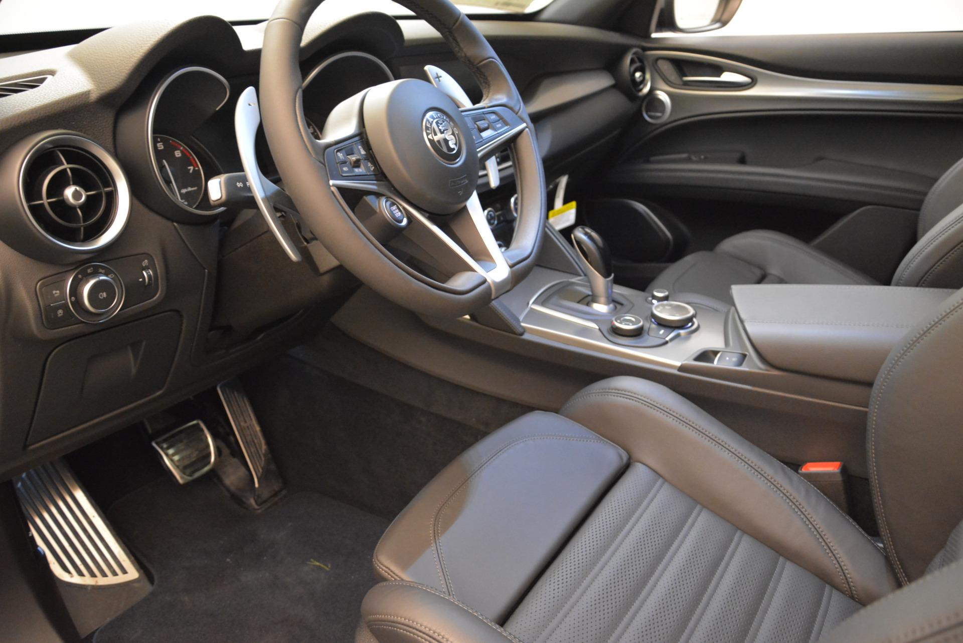New 2018 Alfa Romeo Stelvio Ti Sport Q4 For Sale In Greenwich, CT. Alfa Romeo of Greenwich, L308 1805_p13