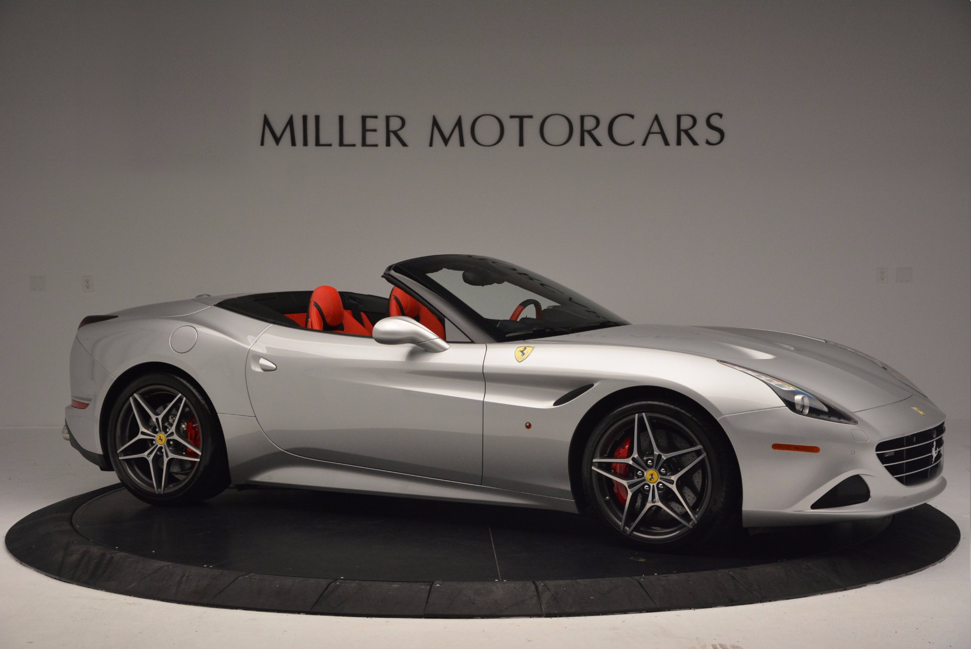 Used 2015 Ferrari California T  For Sale In Greenwich, CT. Alfa Romeo of Greenwich, 4562A 1808_p10