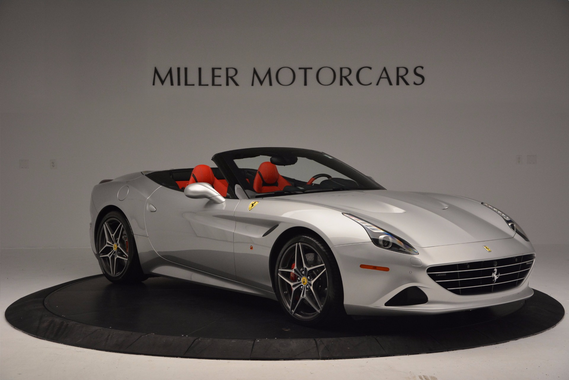 Used 2015 Ferrari California T  For Sale In Greenwich, CT. Alfa Romeo of Greenwich, 4562A 1808_p11
