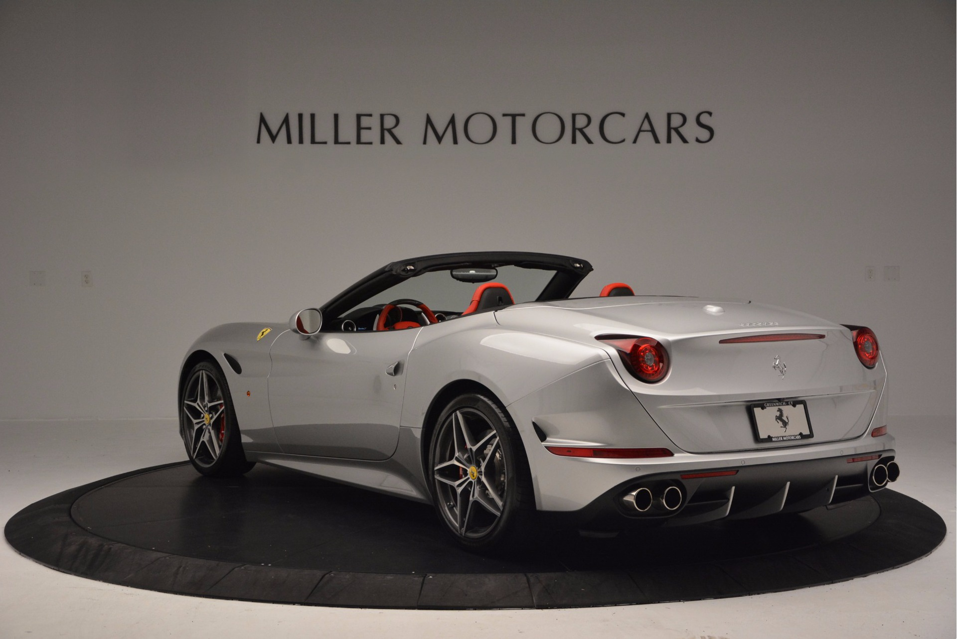 Used 2015 Ferrari California T  For Sale In Greenwich, CT. Alfa Romeo of Greenwich, 4562A 1808_p5