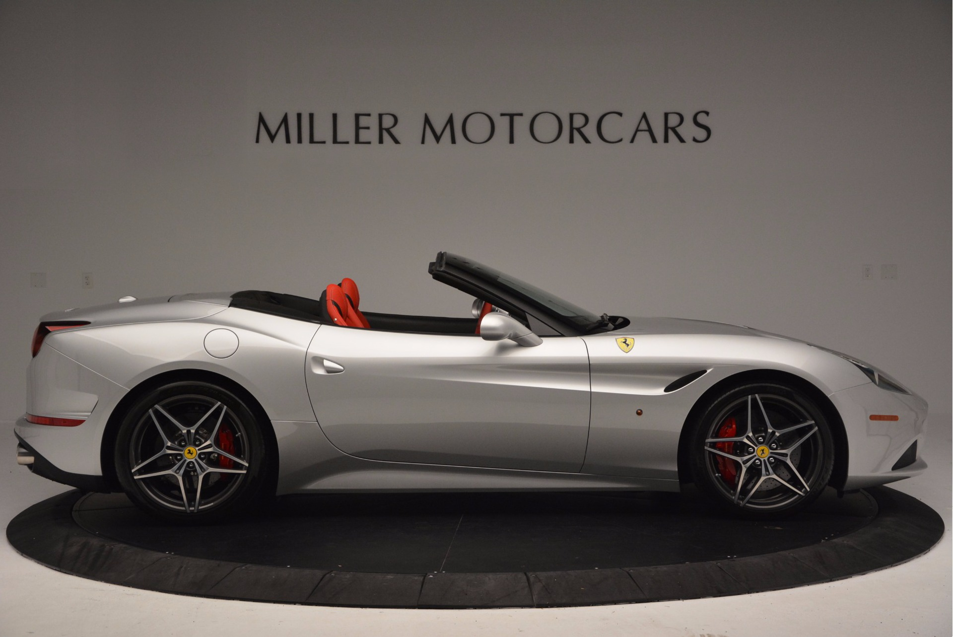 Used 2015 Ferrari California T  For Sale In Greenwich, CT. Alfa Romeo of Greenwich, 4562A 1808_p9