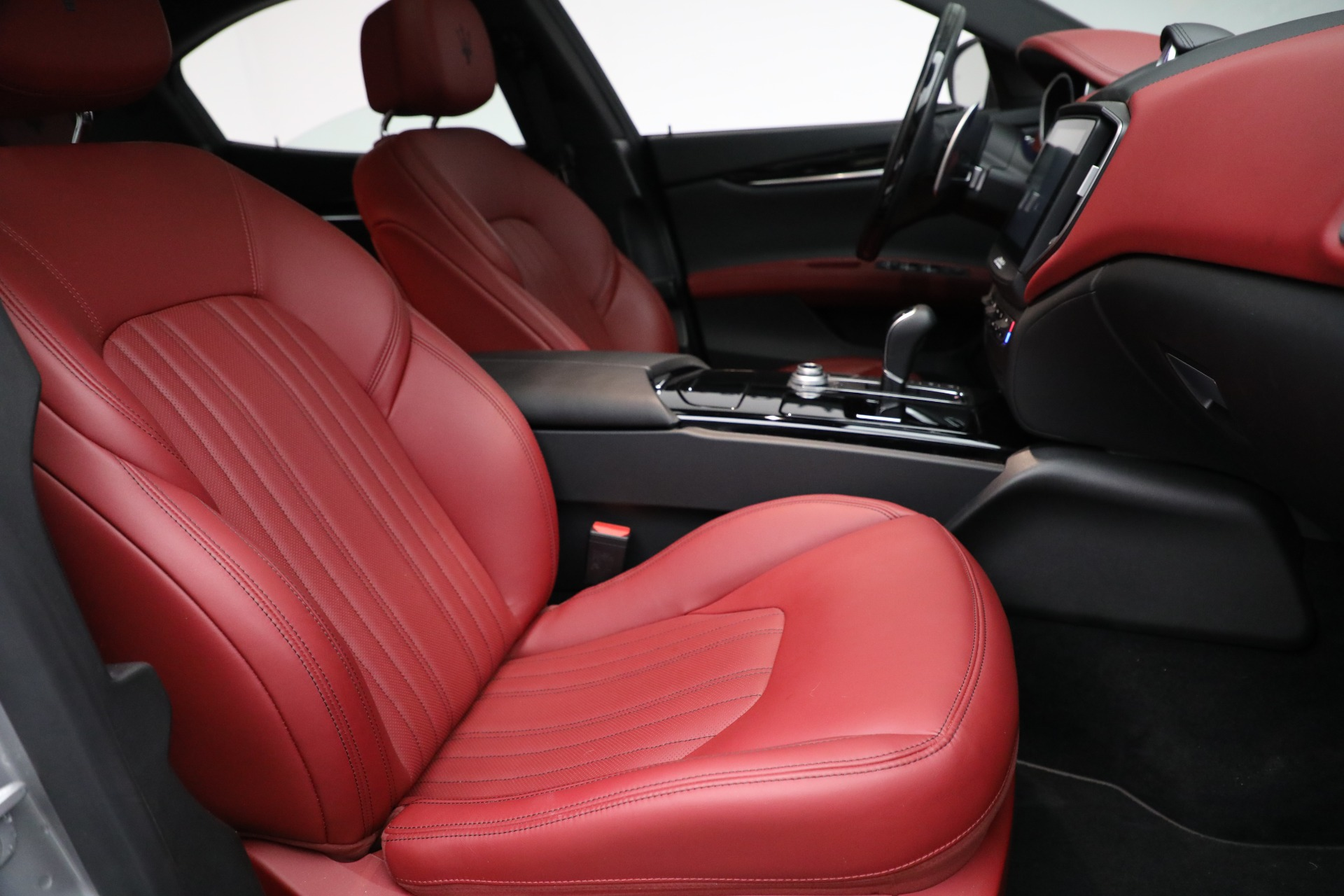 New 2018 Maserati Ghibli S Q4 GranLusso For Sale In Greenwich, CT. Alfa Romeo of Greenwich, W527 1810_p20