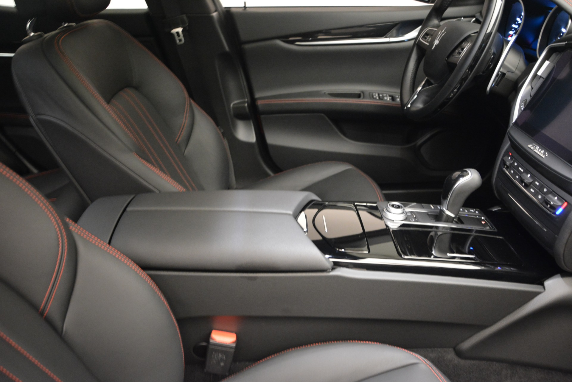 New 2018 Maserati Ghibli S Q4 For Sale In Greenwich, CT. Alfa Romeo of Greenwich, M1982 1820_p17
