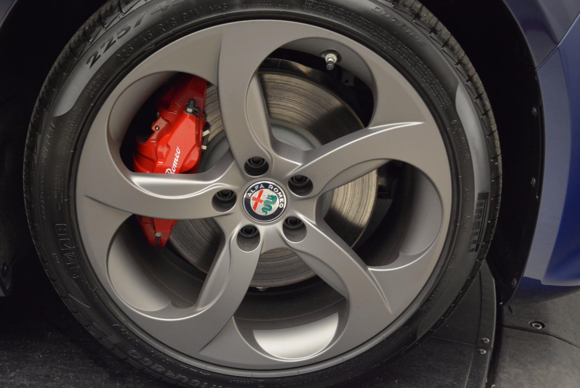 New 2018 Alfa Romeo Giulia Sport Q4 For Sale In Greenwich, CT. Alfa Romeo of Greenwich, LW092 1822_p25