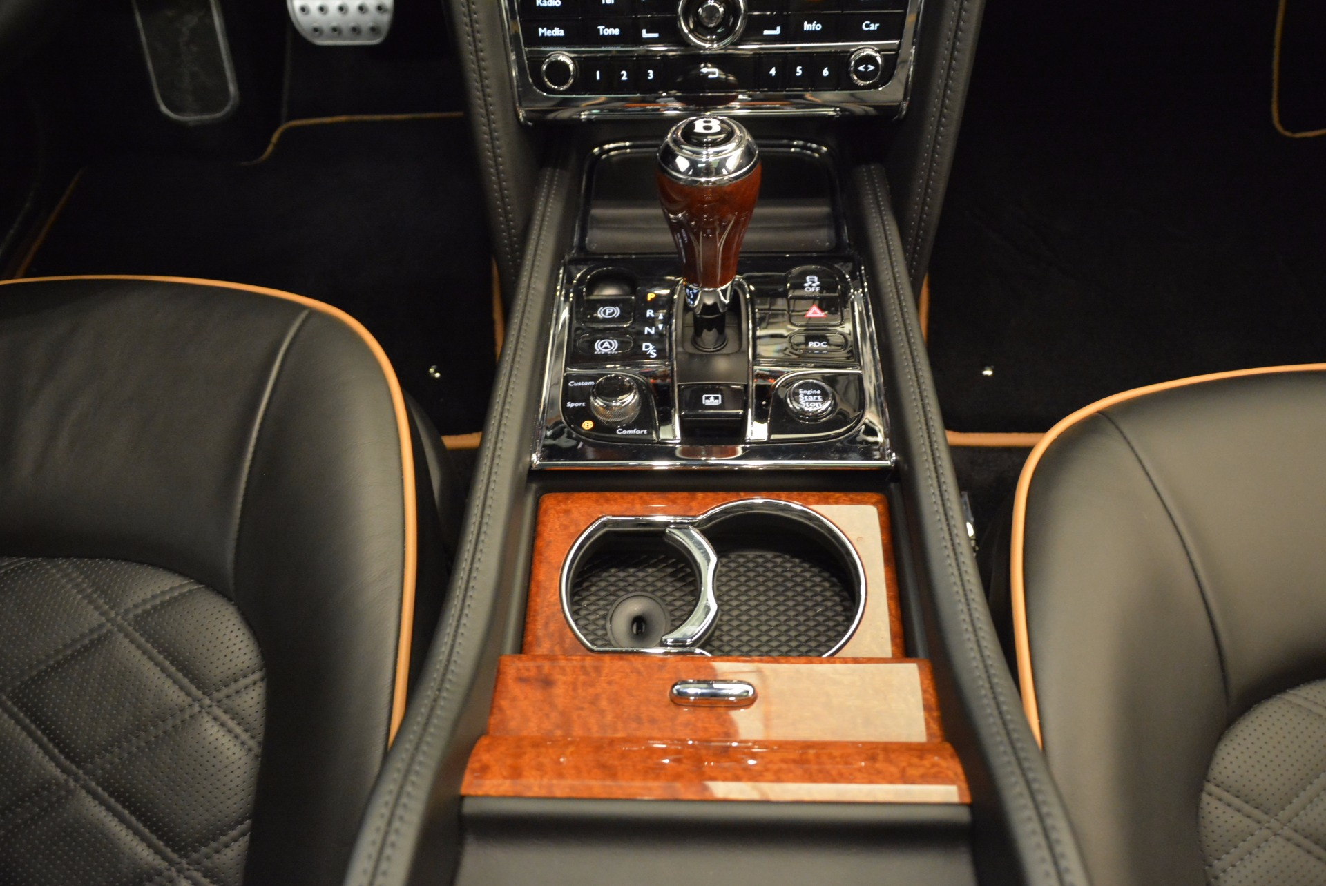 Used 2016 Bentley Mulsanne  For Sale In Greenwich, CT. Alfa Romeo of Greenwich, A1234A 1826_p50