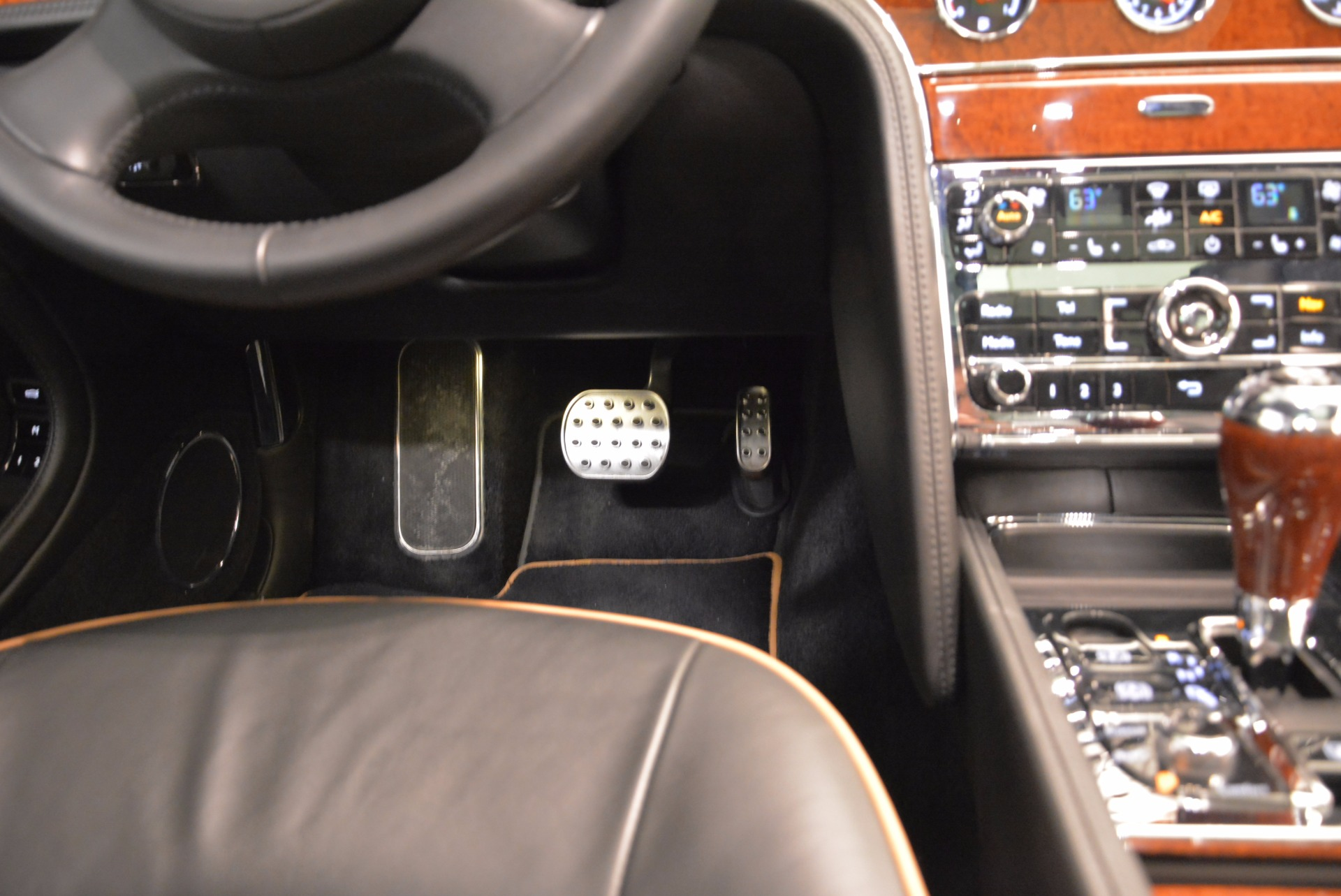 Used 2016 Bentley Mulsanne  For Sale In Greenwich, CT. Alfa Romeo of Greenwich, A1234A 1826_p52