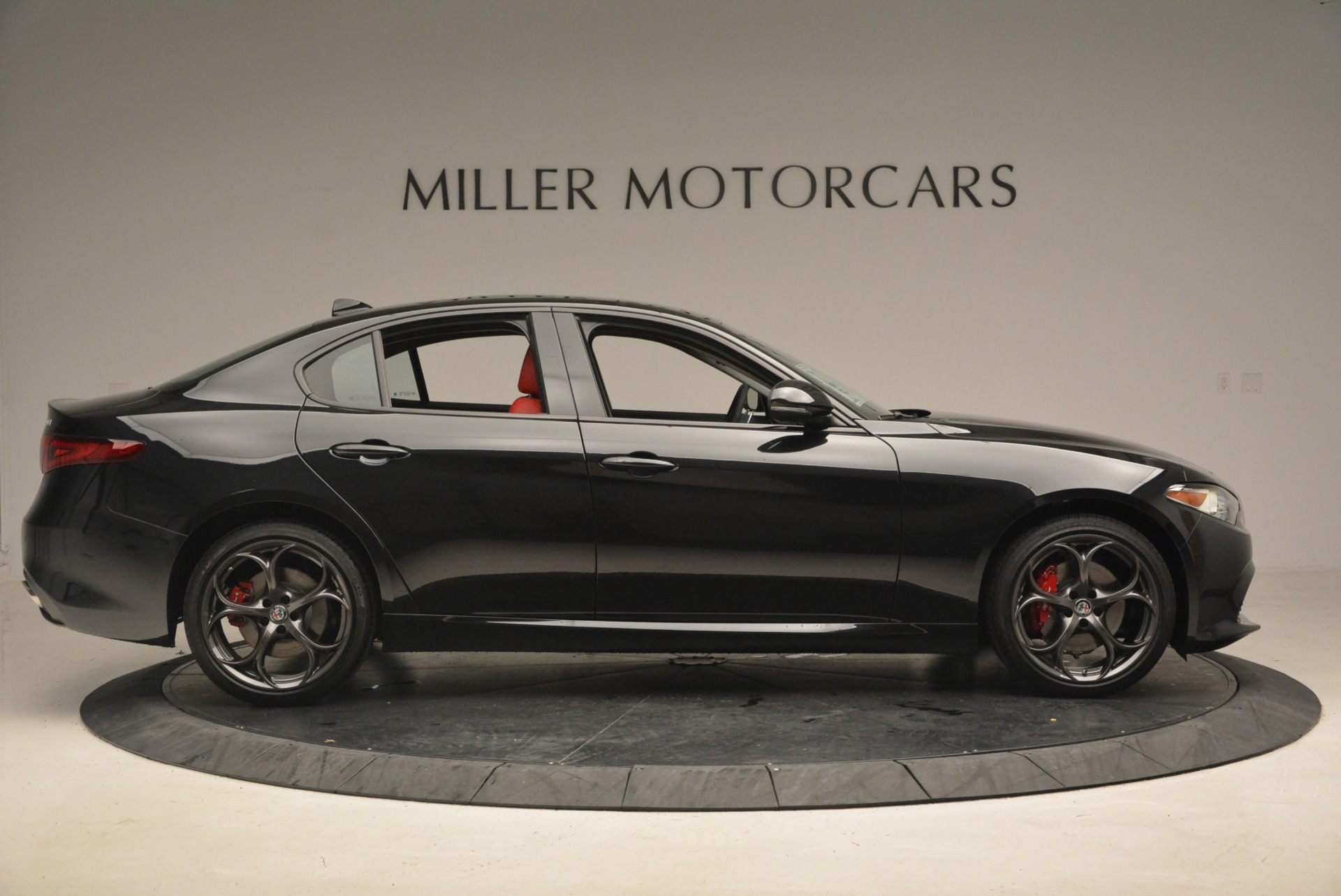 New 2018 Alfa Romeo Giulia Ti Sport Q4 For Sale In Greenwich, CT. Alfa Romeo of Greenwich, LW093 1830_p9