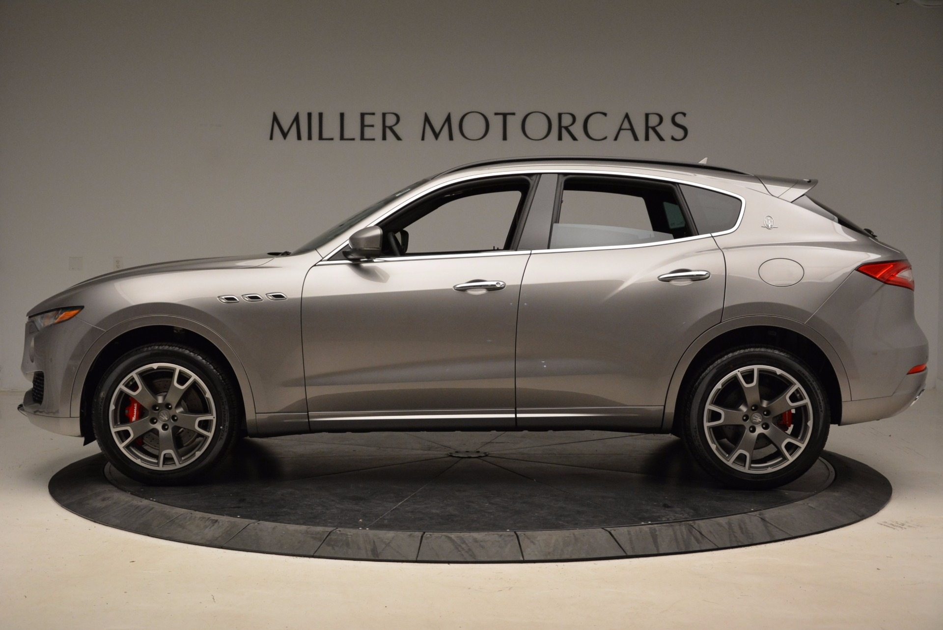 New 2017 Maserati Levante S Q4 For Sale In Greenwich, CT. Alfa Romeo of Greenwich, M1983 1832_p3
