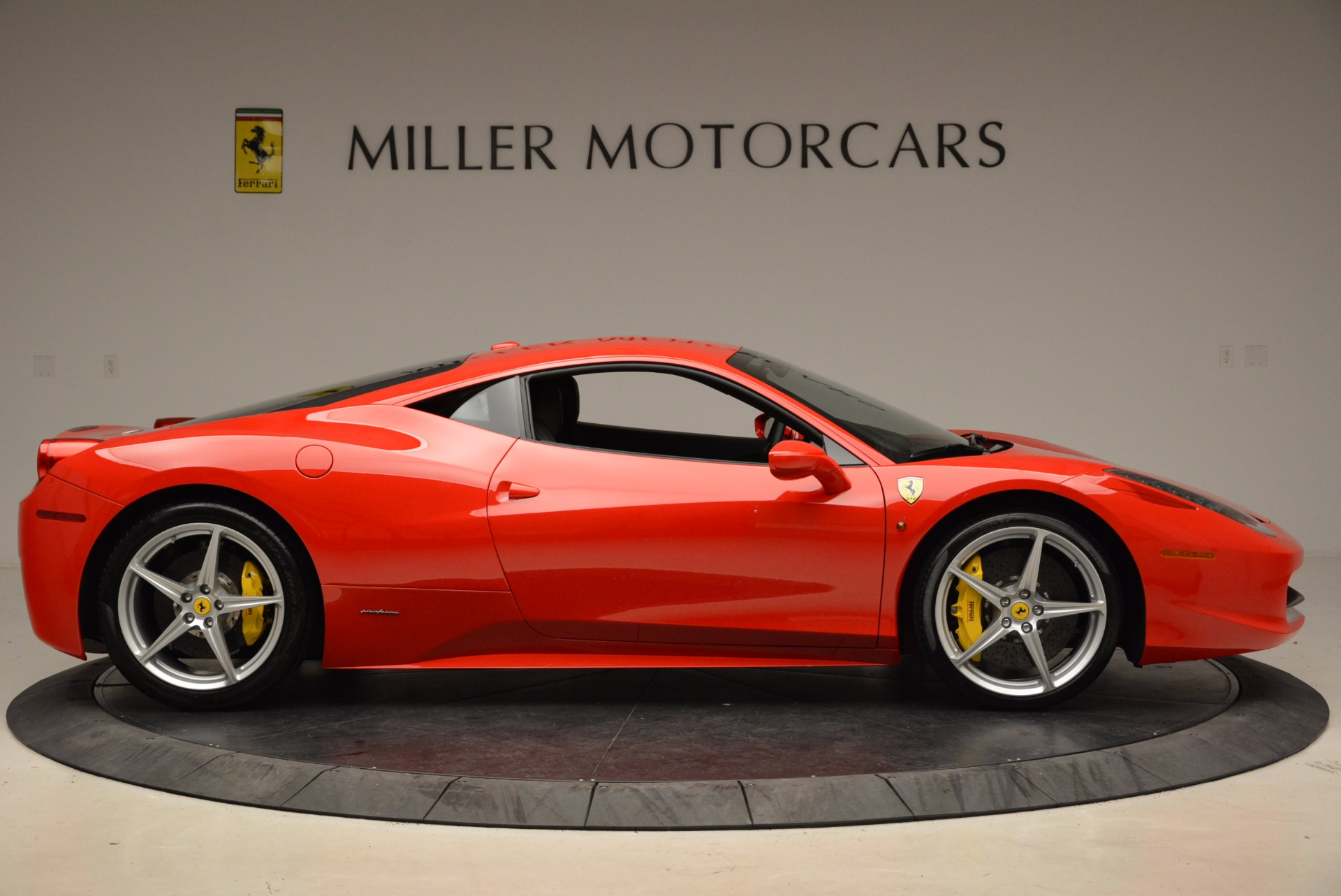 Used 2012 Ferrari 458 Italia  For Sale In Greenwich, CT. Alfa Romeo of Greenwich, 4438 1833_p9