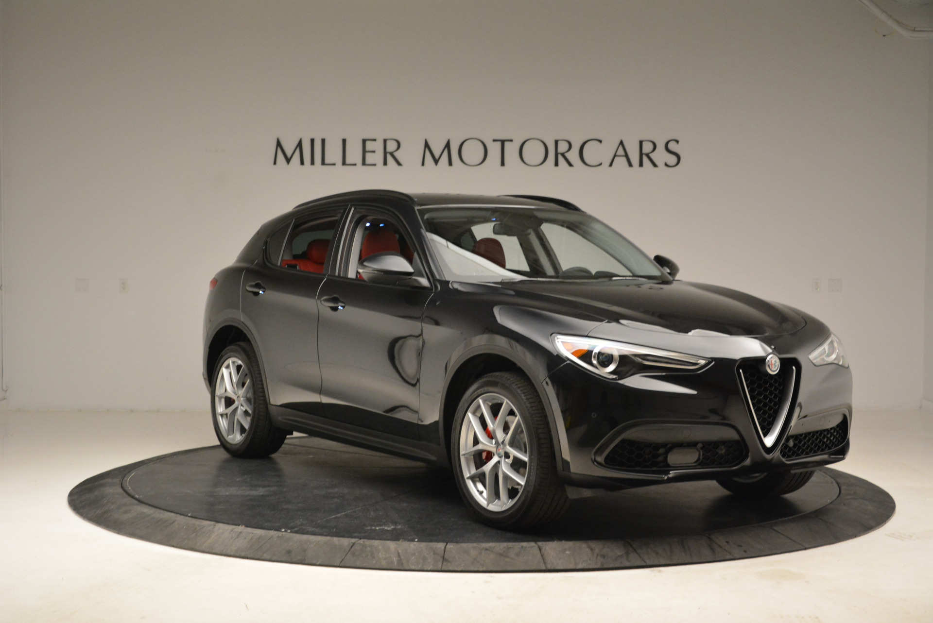 New 2018 Alfa Romeo Stelvio Sport Q4 For Sale In Greenwich, CT. Alfa Romeo of Greenwich, L314 1838_p11
