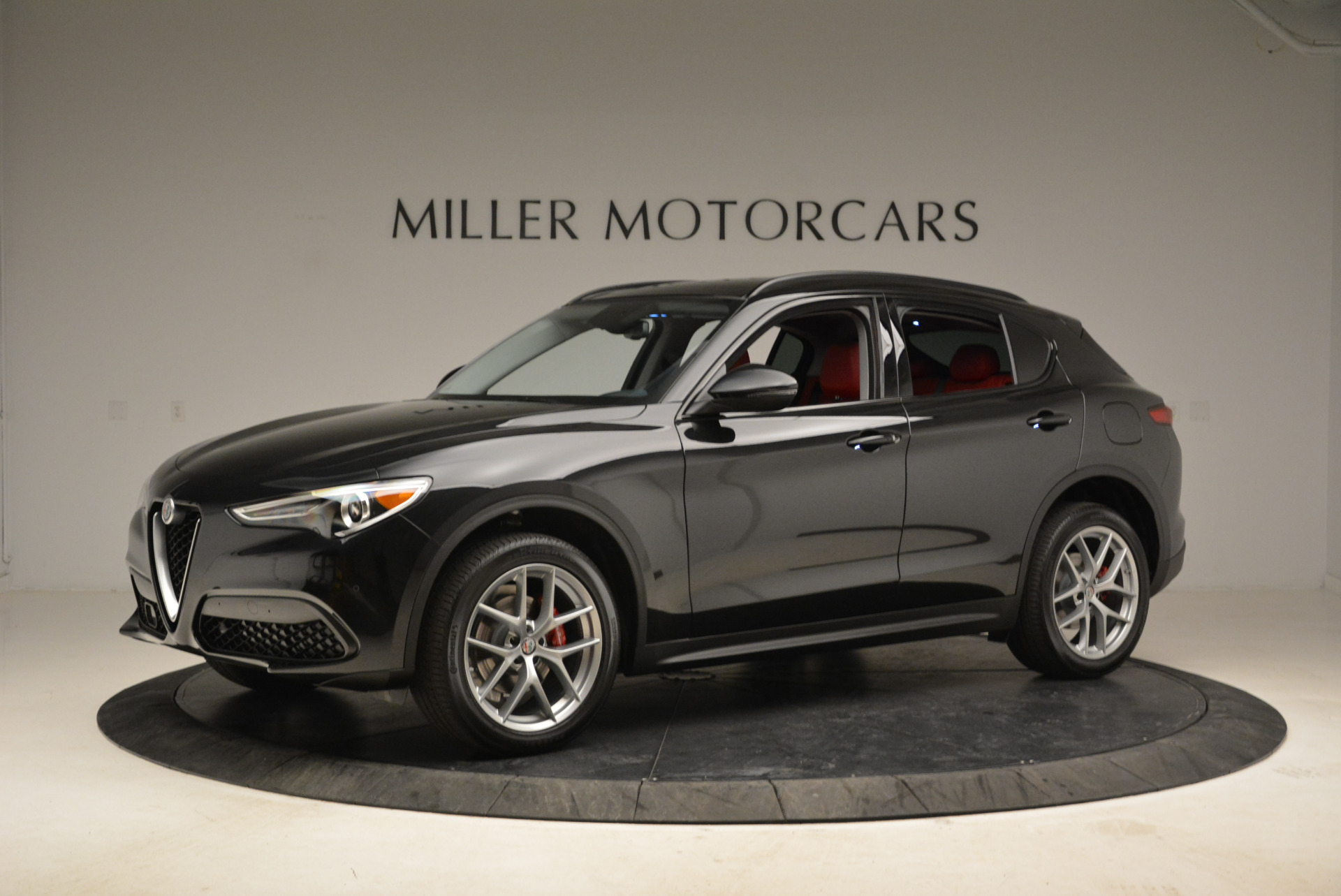 New 2018 Alfa Romeo Stelvio Sport Q4 For Sale In Greenwich, CT. Alfa Romeo of Greenwich, L314 1838_p2