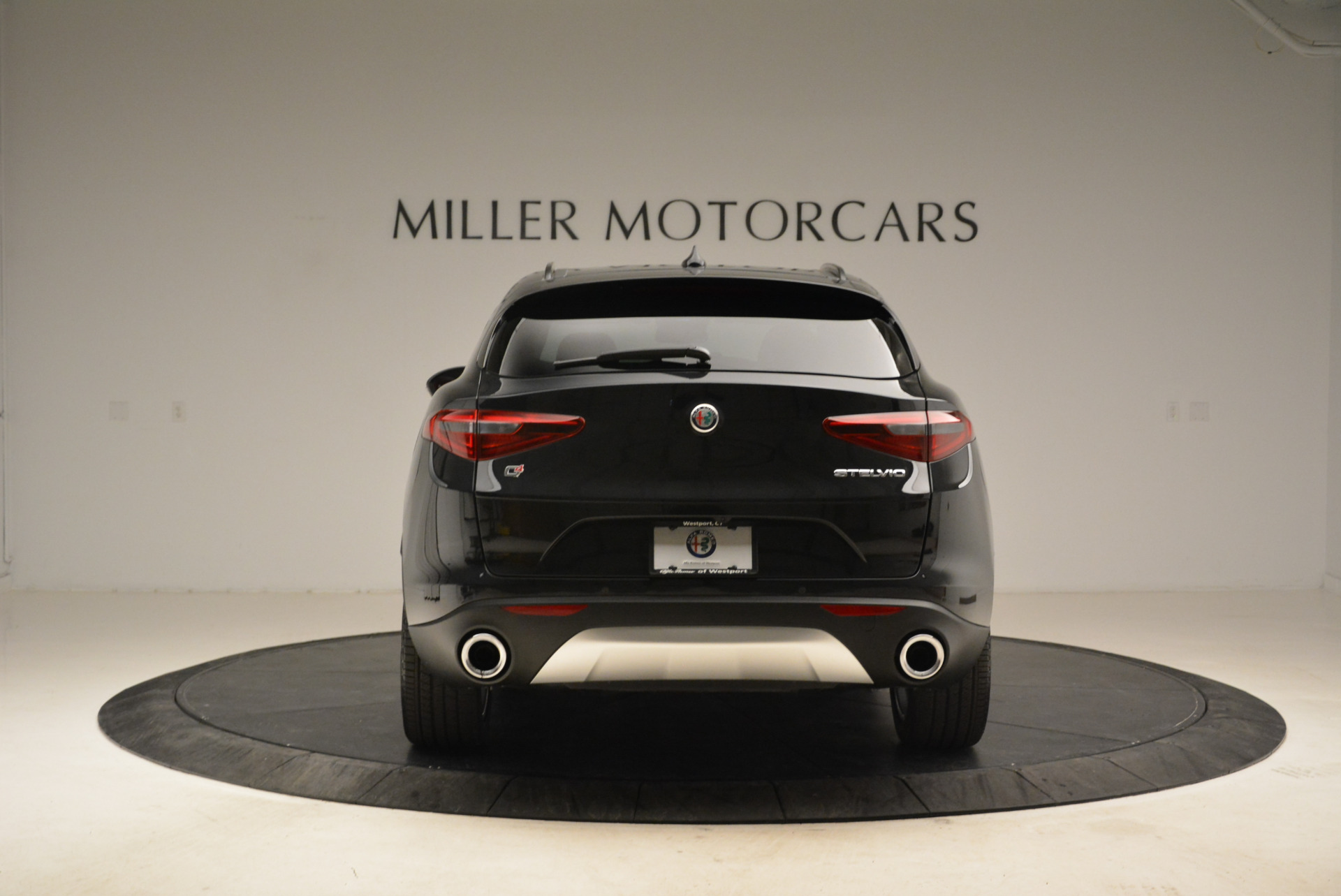 New 2018 Alfa Romeo Stelvio Sport Q4 For Sale In Greenwich, CT. Alfa Romeo of Greenwich, L314 1838_p6