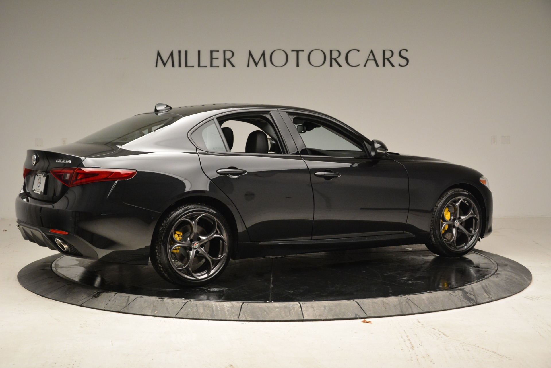 New 2018 Alfa Romeo Giulia Ti Sport Q4 For Sale In Greenwich, CT. Alfa Romeo of Greenwich, L317 1852_p8