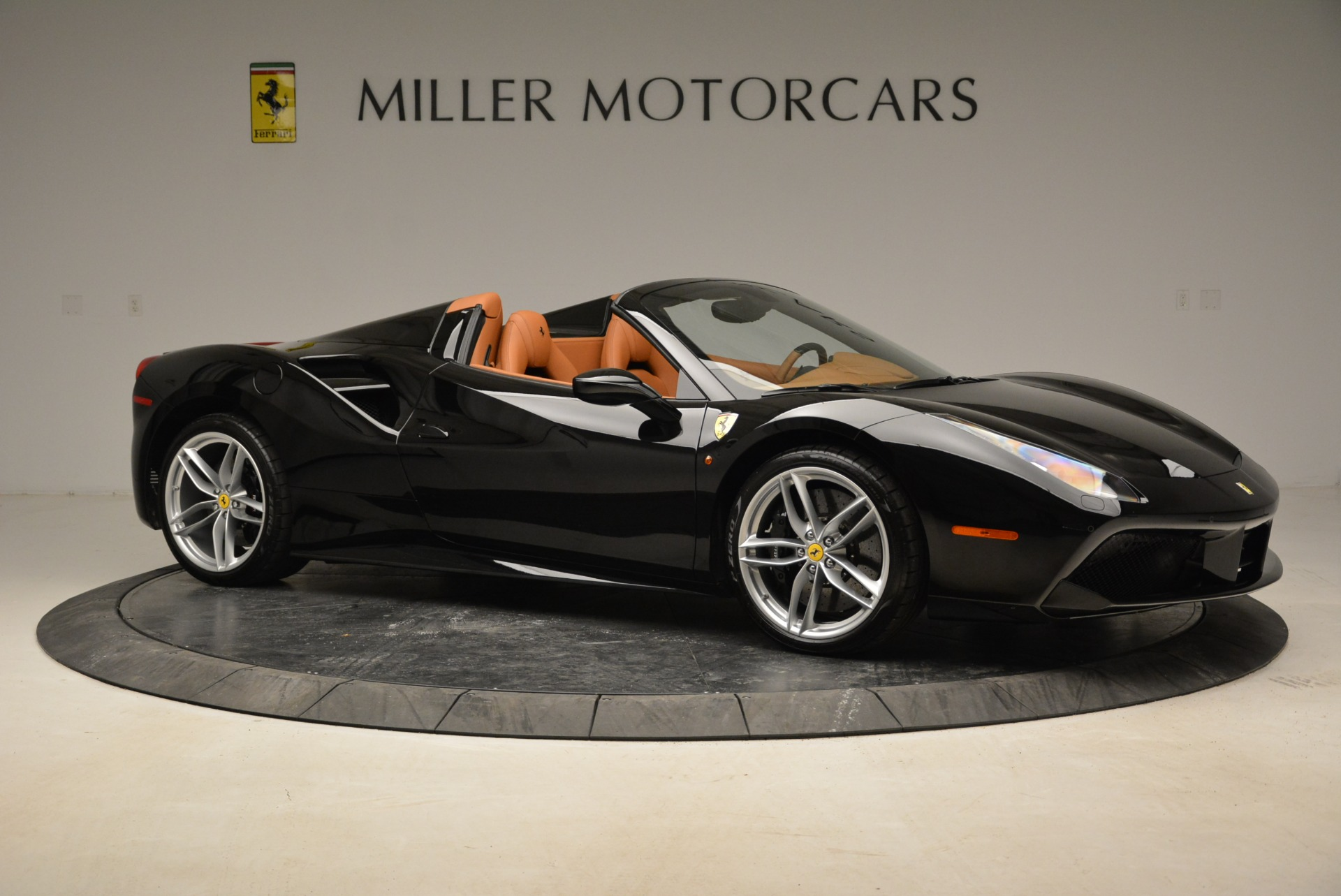 Used 2017 Ferrari 488 Spider  For Sale In Greenwich, CT. Alfa Romeo of Greenwich, 4444 1853_p10