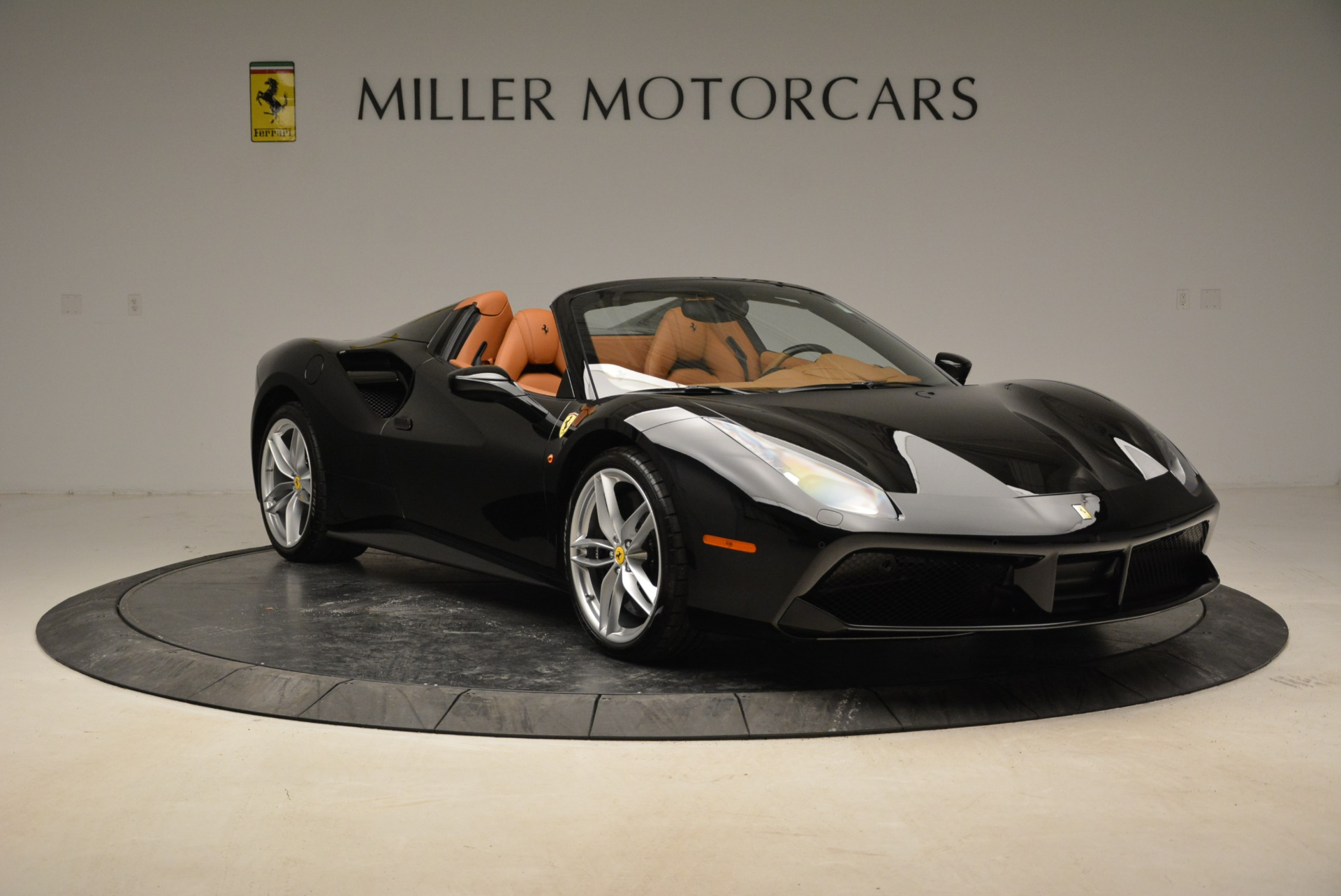 Used 2017 Ferrari 488 Spider  For Sale In Greenwich, CT. Alfa Romeo of Greenwich, 4444 1853_p11