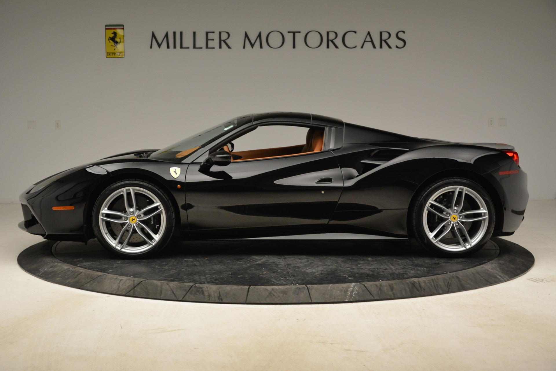 Used 2017 Ferrari 488 Spider  For Sale In Greenwich, CT. Alfa Romeo of Greenwich, 4444 1853_p26