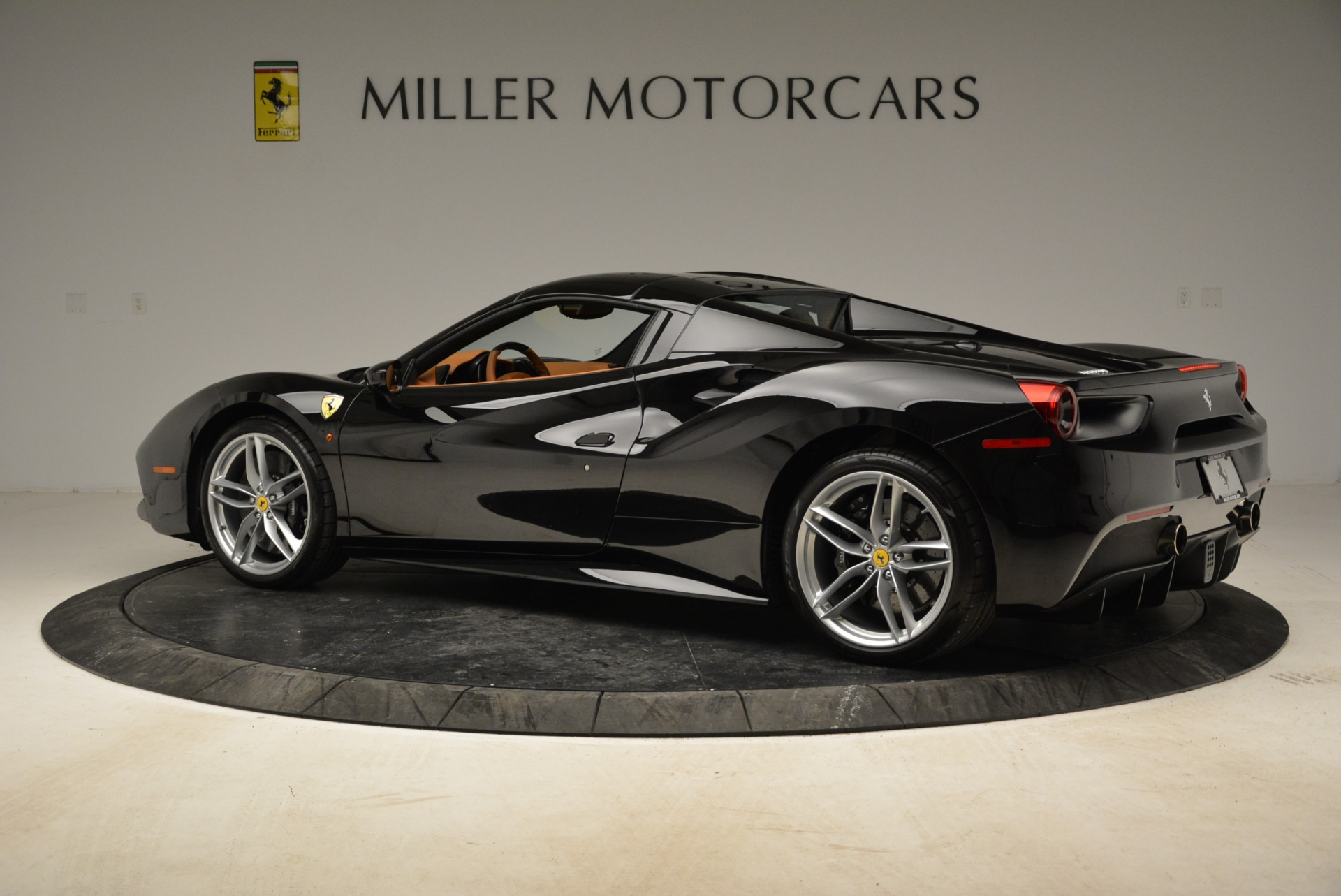 Used 2017 Ferrari 488 Spider  For Sale In Greenwich, CT. Alfa Romeo of Greenwich, 4444 1853_p27