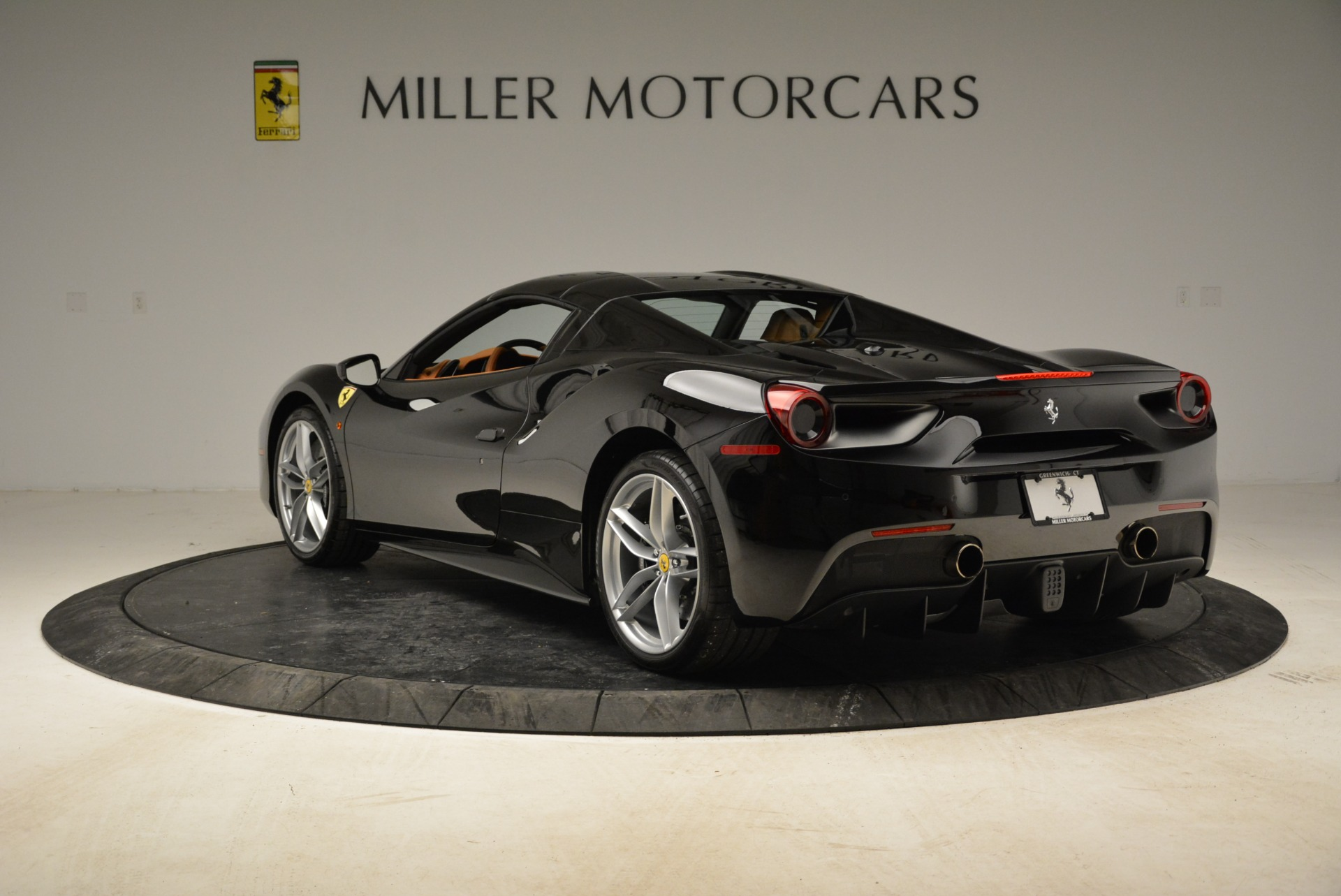 Used 2017 Ferrari 488 Spider  For Sale In Greenwich, CT. Alfa Romeo of Greenwich, 4444 1853_p28