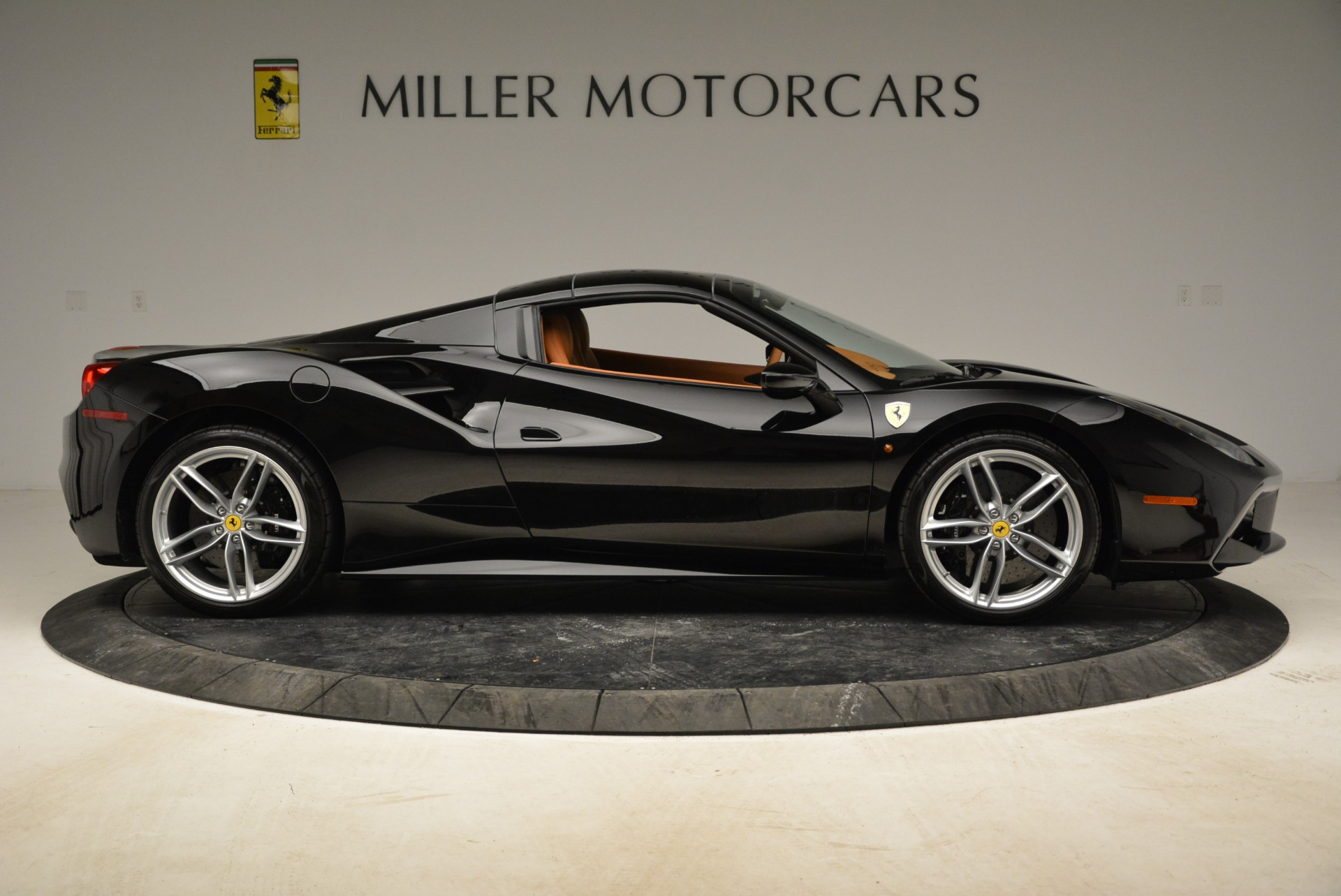 Used 2017 Ferrari 488 Spider  For Sale In Greenwich, CT. Alfa Romeo of Greenwich, 4444 1853_p32