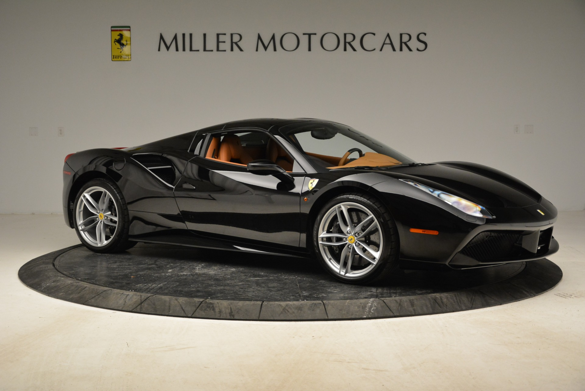 Used 2017 Ferrari 488 Spider  For Sale In Greenwich, CT. Alfa Romeo of Greenwich, 4444 1853_p33