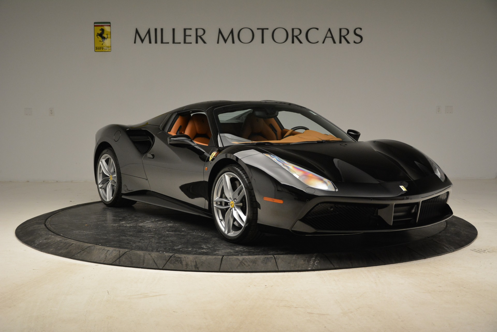 Used 2017 Ferrari 488 Spider  For Sale In Greenwich, CT. Alfa Romeo of Greenwich, 4444 1853_p34