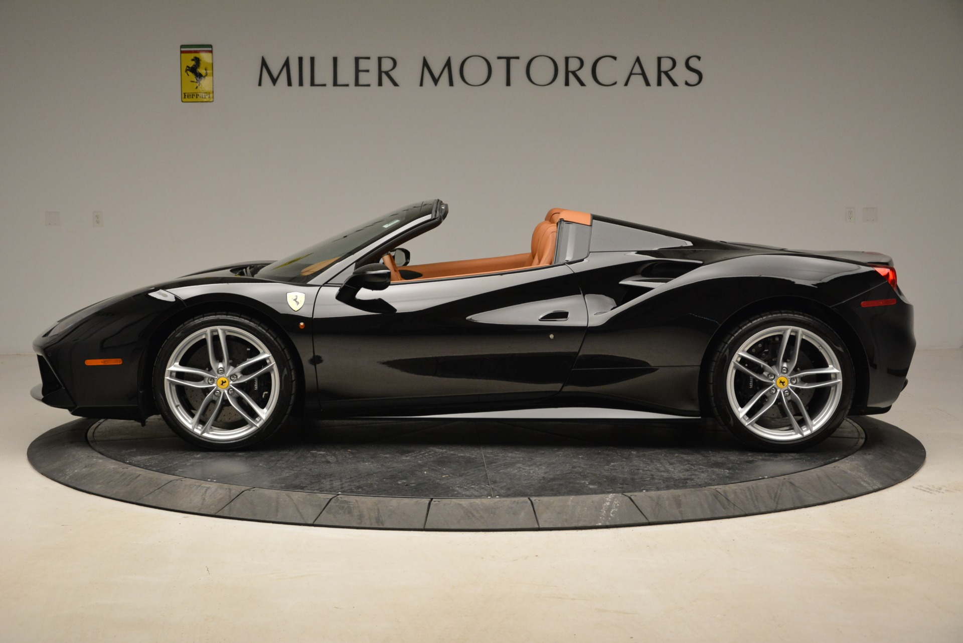 Used 2017 Ferrari 488 Spider  For Sale In Greenwich, CT. Alfa Romeo of Greenwich, 4444 1853_p3