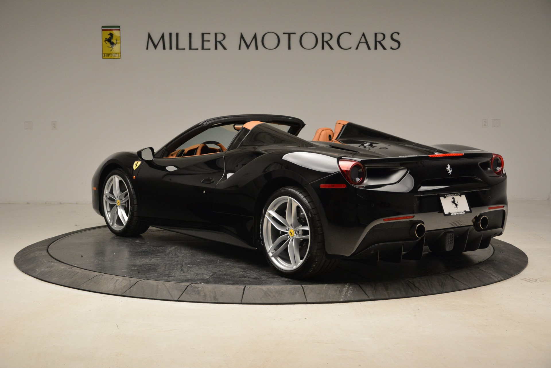 Used 2017 Ferrari 488 Spider  For Sale In Greenwich, CT. Alfa Romeo of Greenwich, 4444 1853_p5