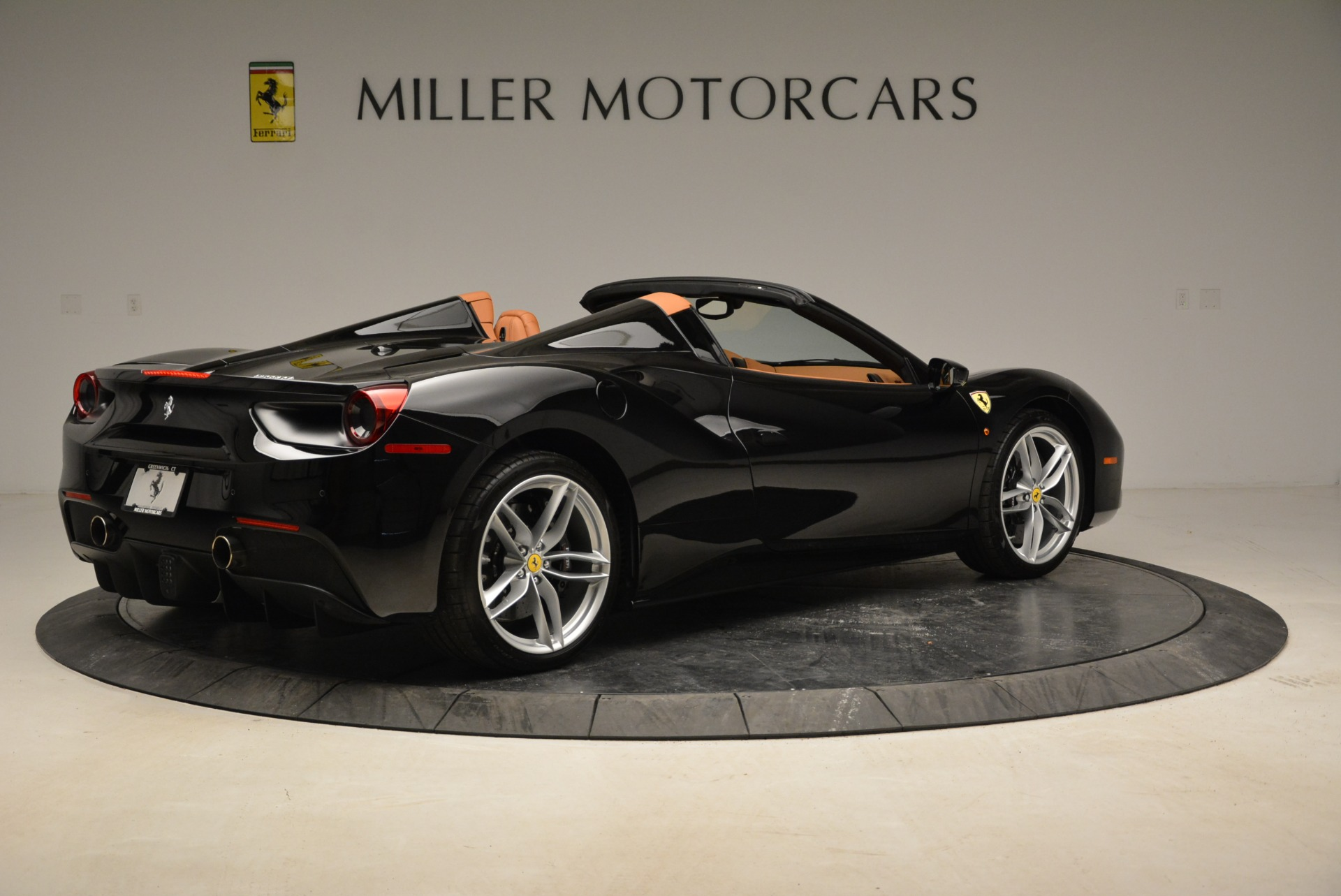Used 2017 Ferrari 488 Spider  For Sale In Greenwich, CT. Alfa Romeo of Greenwich, 4444 1853_p8