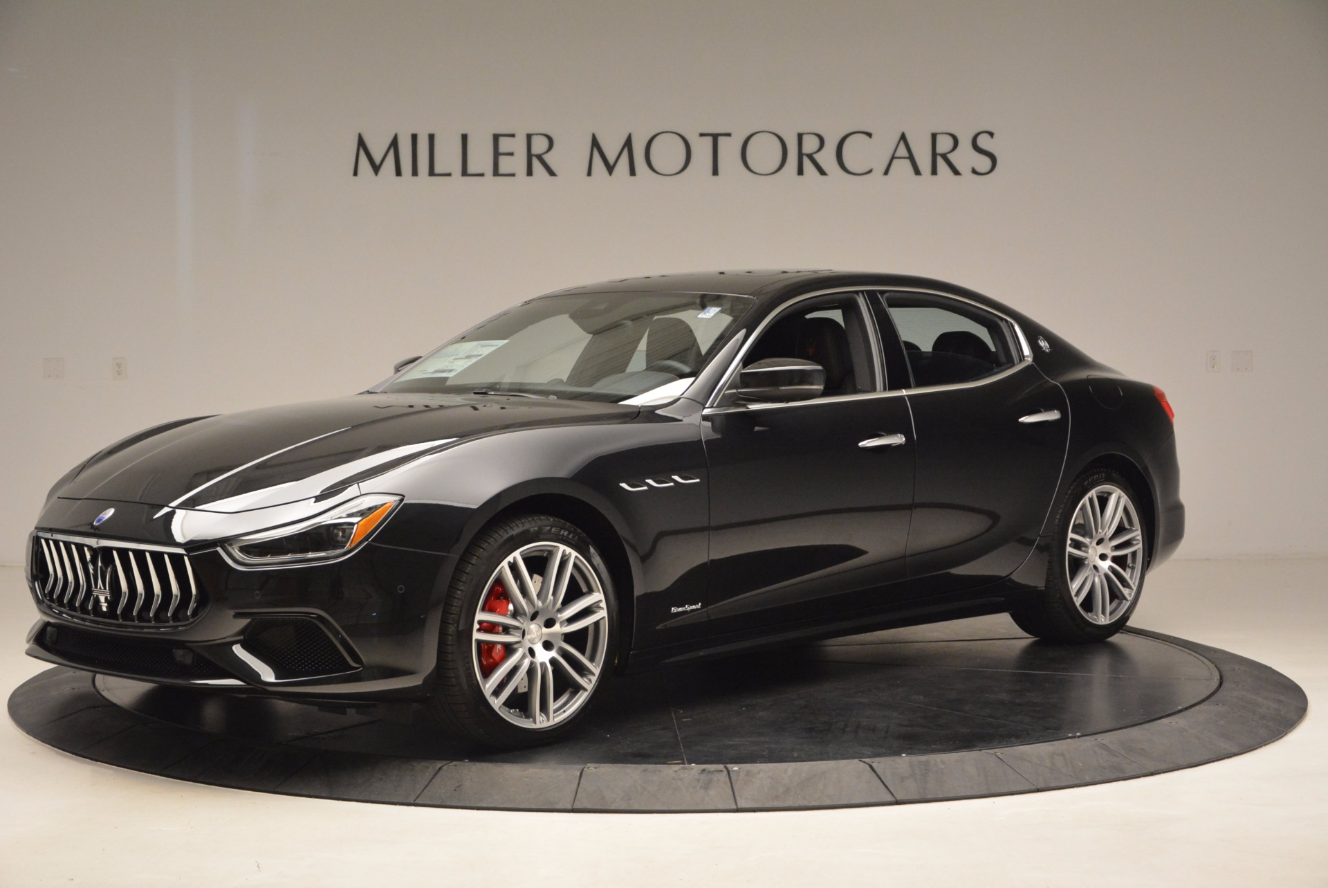 New 2018 Maserati Ghibli S Q4 Gransport For Sale In Greenwich, CT. Alfa Romeo of Greenwich, W541 1855_p2