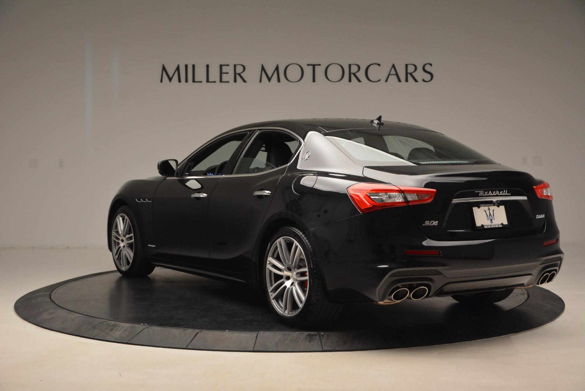 New 2018 Maserati Ghibli S Q4 Gransport For Sale In Greenwich, CT. Alfa Romeo of Greenwich, W541 1855_p5