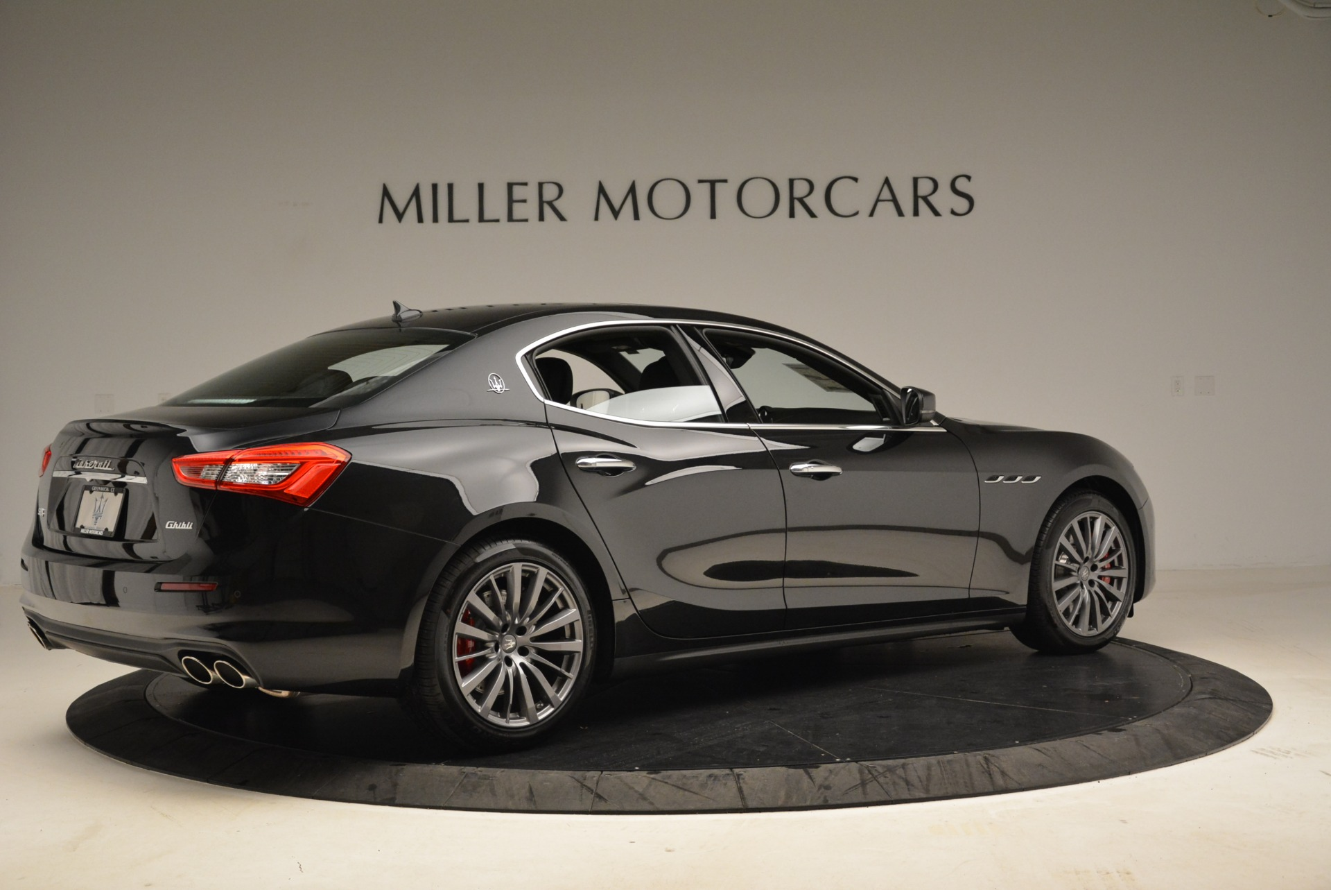 New 2018 Maserati Ghibli S Q4 For Sale In Greenwich, CT. Alfa Romeo of Greenwich, M1922 1856_p7