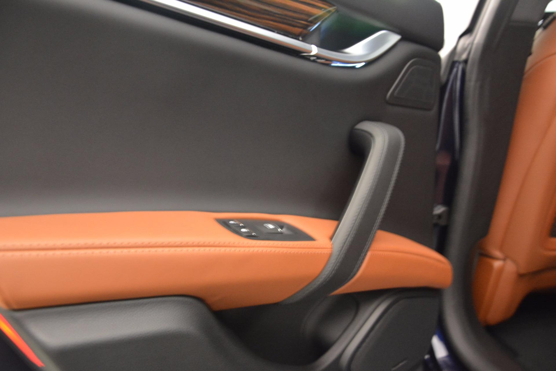 New 2018 Maserati Ghibli S Q4 GranLusso For Sale In Greenwich, CT. Alfa Romeo of Greenwich, M1989 1866_p17