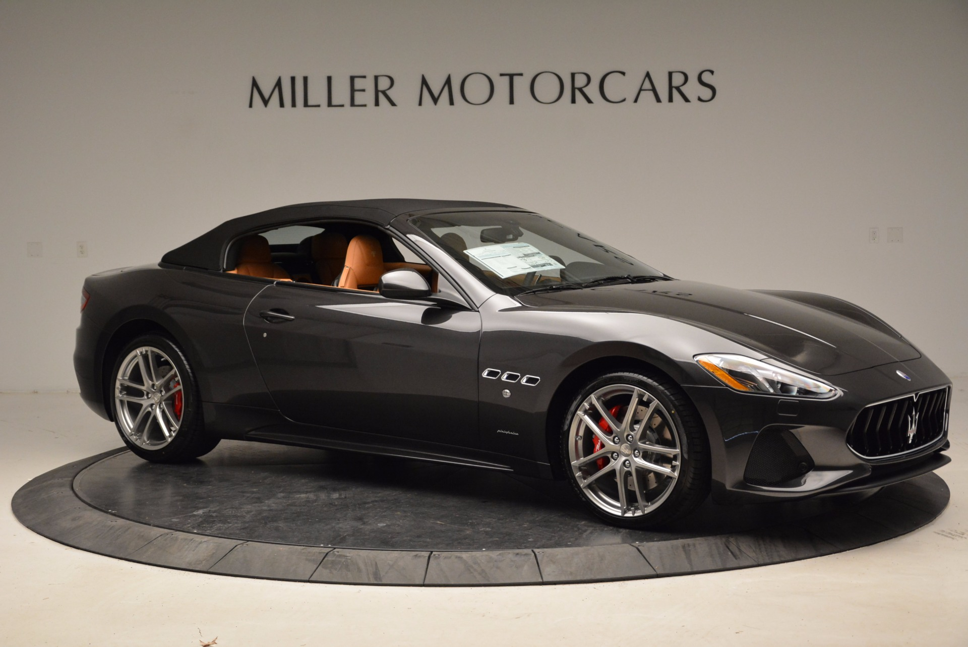 New 2018 Maserati GranTurismo Sport Convertible For Sale In Greenwich, CT. Alfa Romeo of Greenwich, W540 1869_p10
