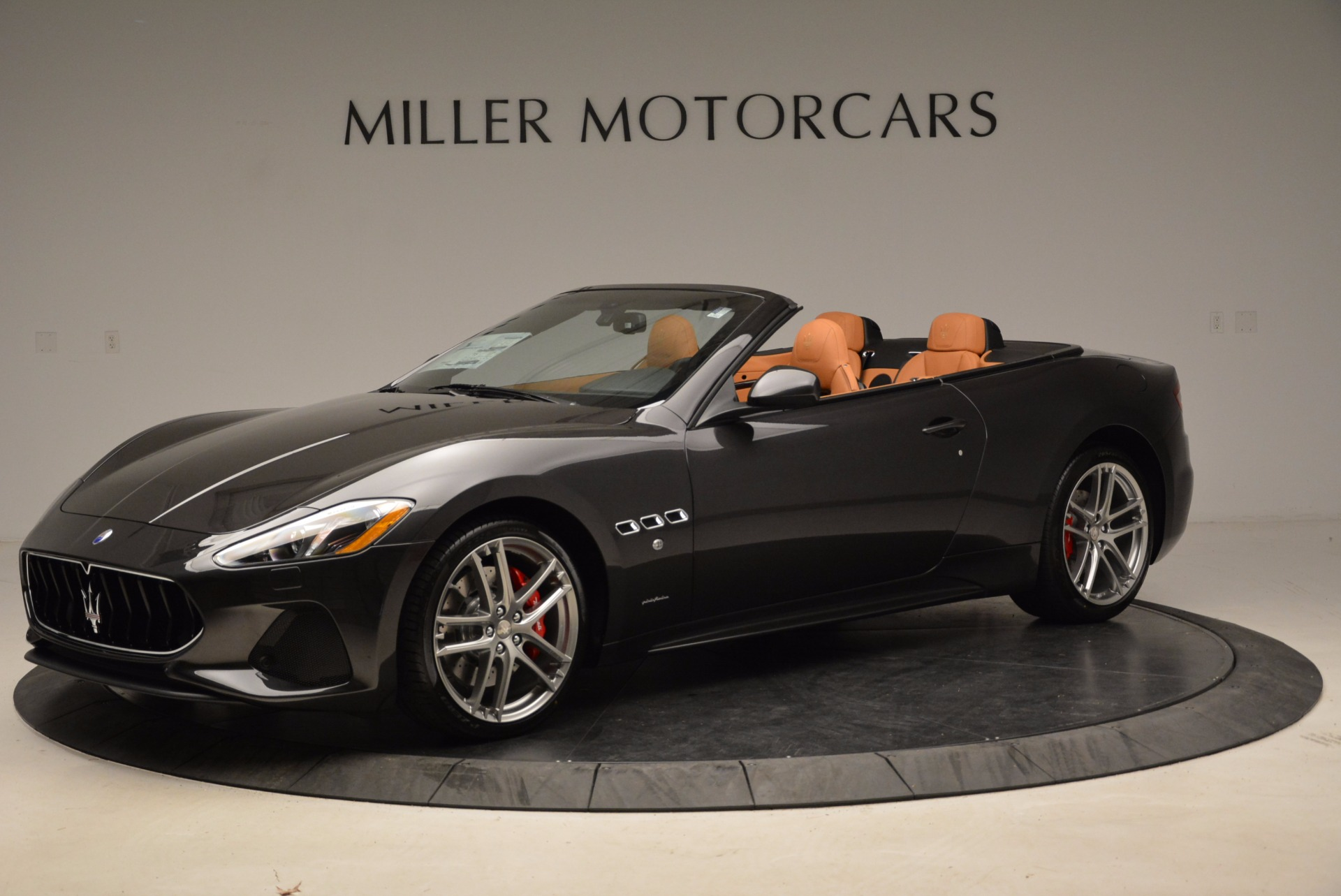 New 2018 Maserati GranTurismo Sport Convertible For Sale In Greenwich, CT. Alfa Romeo of Greenwich, W540 1869_p14