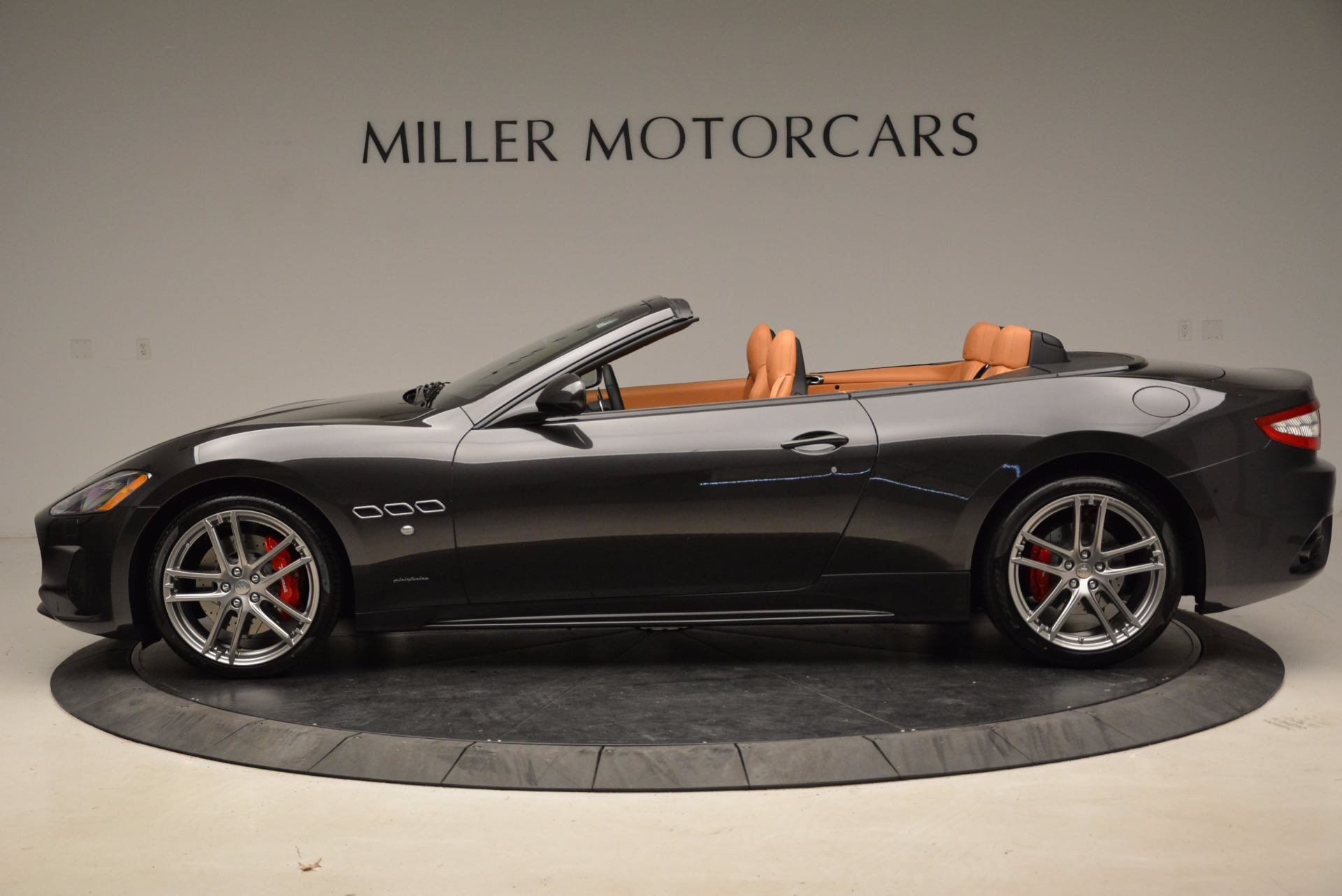 New 2018 Maserati GranTurismo Sport Convertible For Sale In Greenwich, CT. Alfa Romeo of Greenwich, W540 1869_p15