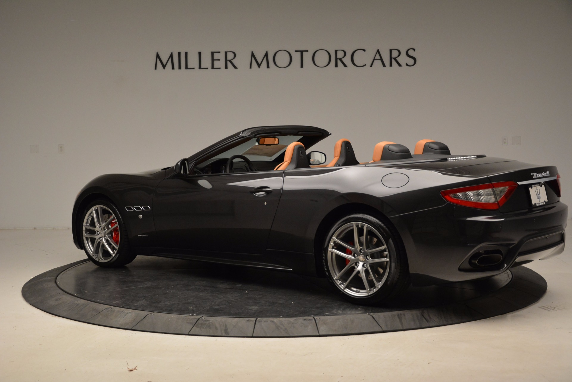 New 2018 Maserati GranTurismo Sport Convertible For Sale In Greenwich, CT. Alfa Romeo of Greenwich, W540 1869_p16